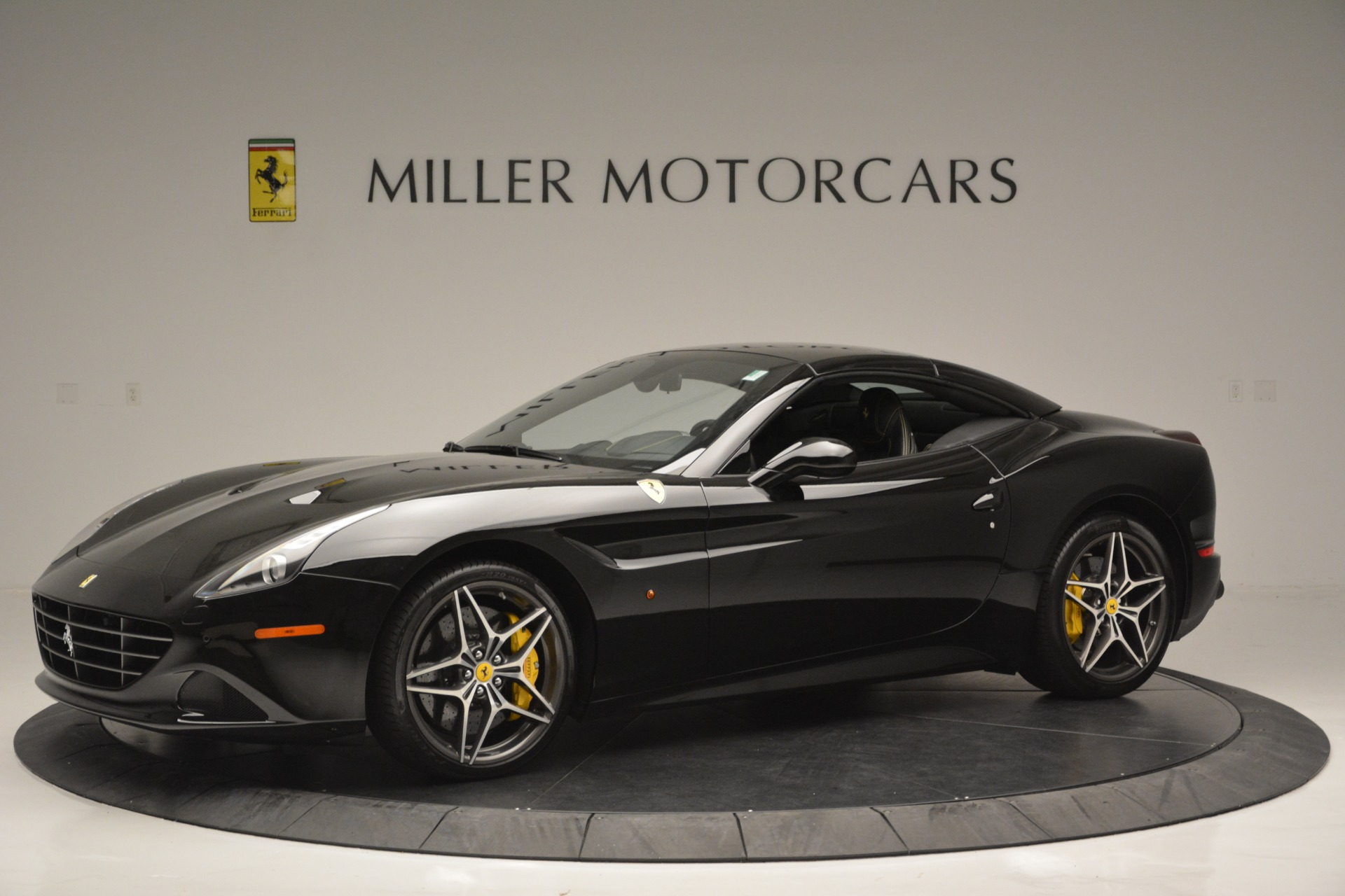 Used 2017 Ferrari California T Handling Speciale For Sale In Greenwich, CT 2554_p14