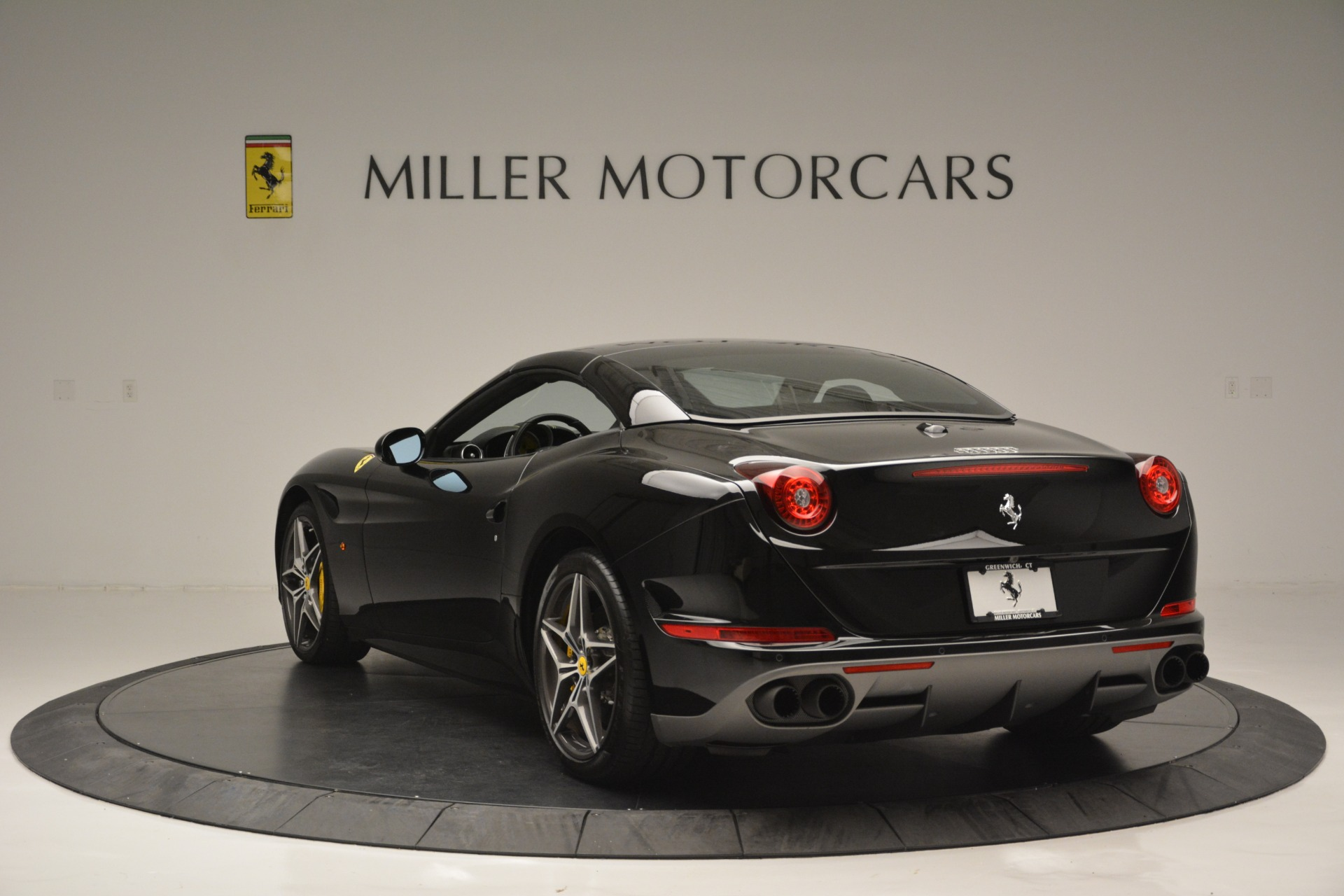 Used 2017 Ferrari California T Handling Speciale For Sale In Greenwich, CT 2554_p17