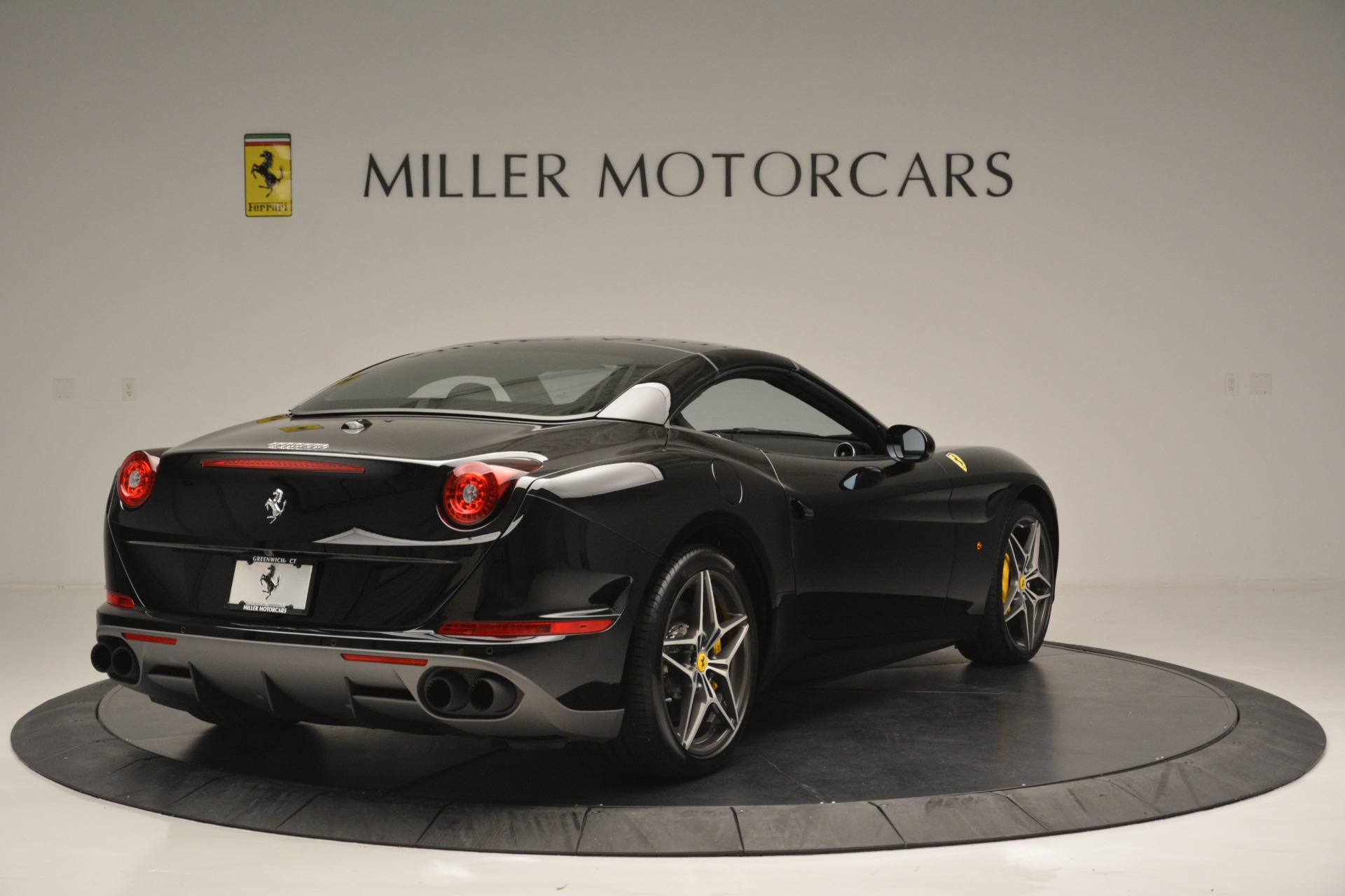 Used 2017 Ferrari California T Handling Speciale For Sale In Greenwich, CT 2554_p19
