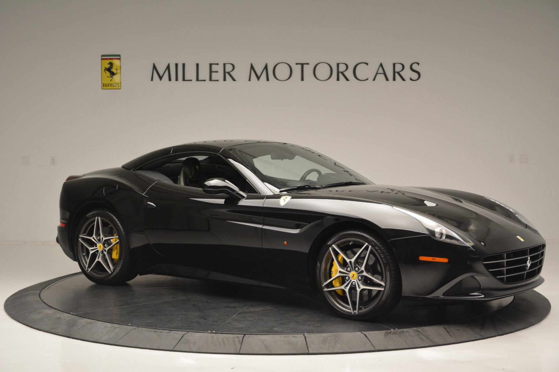 Used 2017 Ferrari California T Handling Speciale For Sale In Greenwich, CT 2554_p22