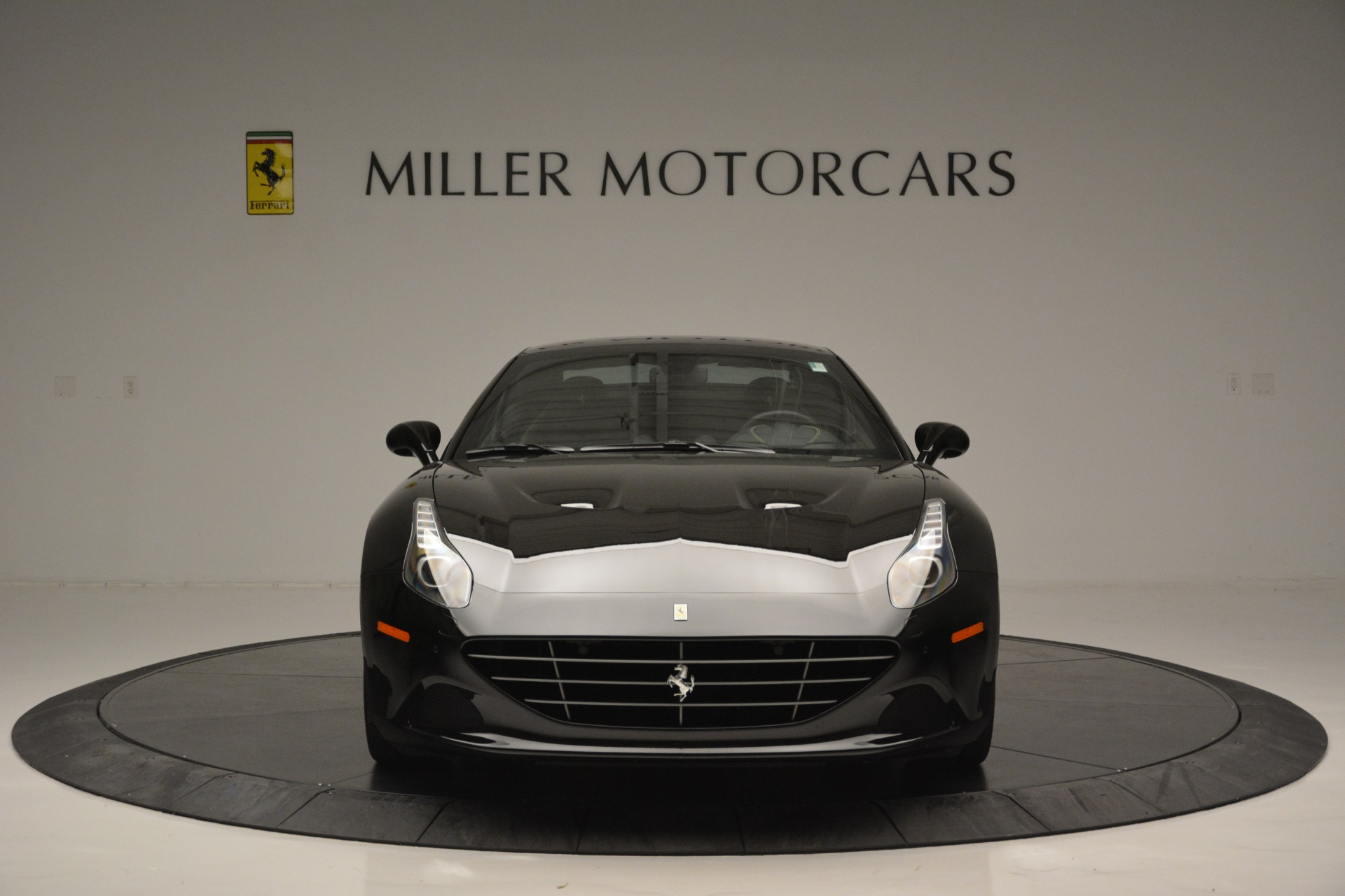 Used 2017 Ferrari California T Handling Speciale For Sale In Greenwich, CT 2554_p24