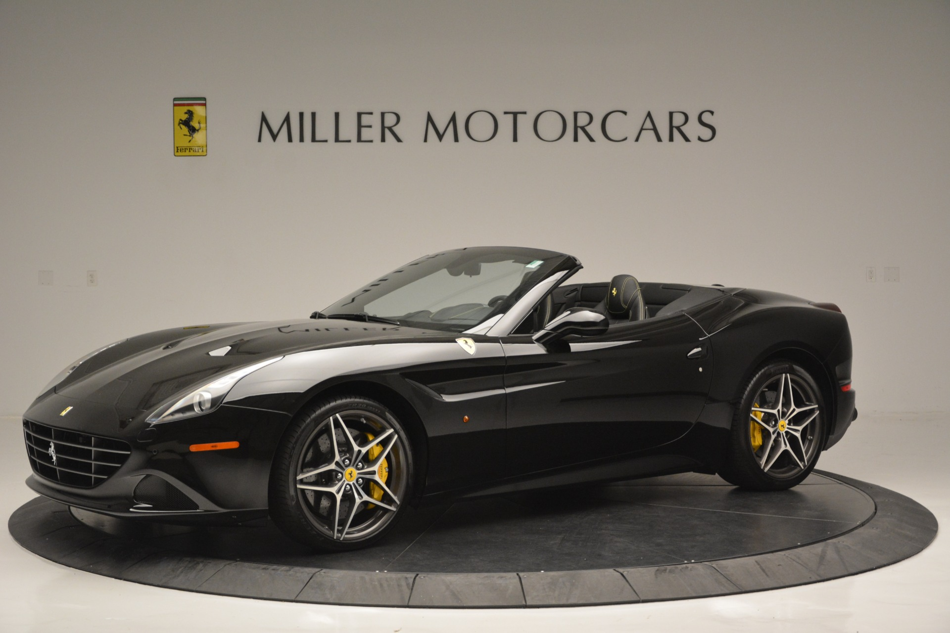 Used 2017 Ferrari California T Handling Speciale For Sale In Greenwich, CT 2554_p2