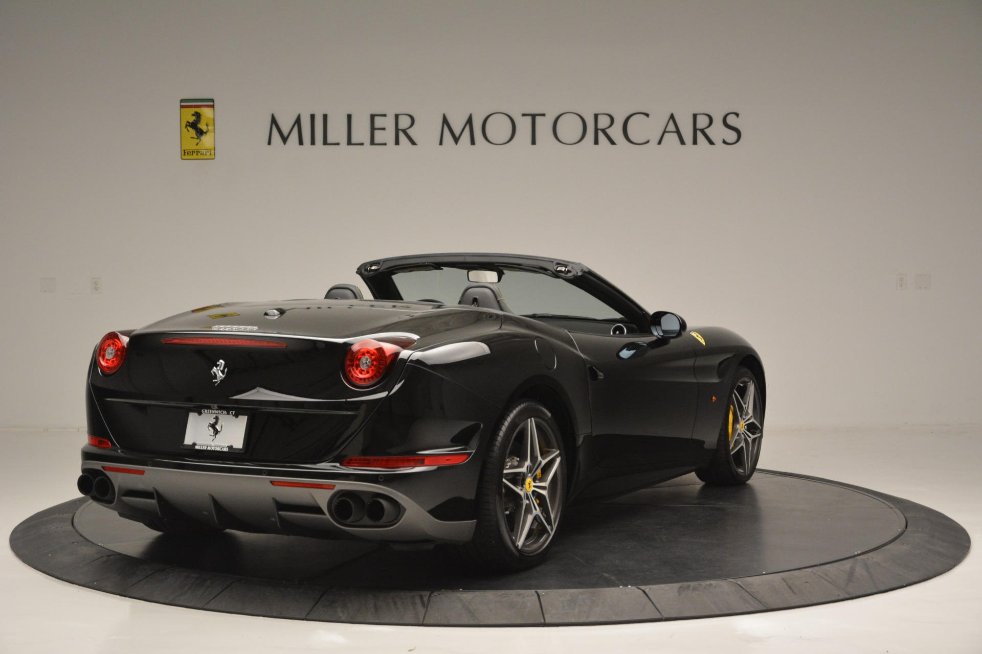 Used 2017 Ferrari California T Handling Speciale For Sale In Greenwich, CT 2554_p7