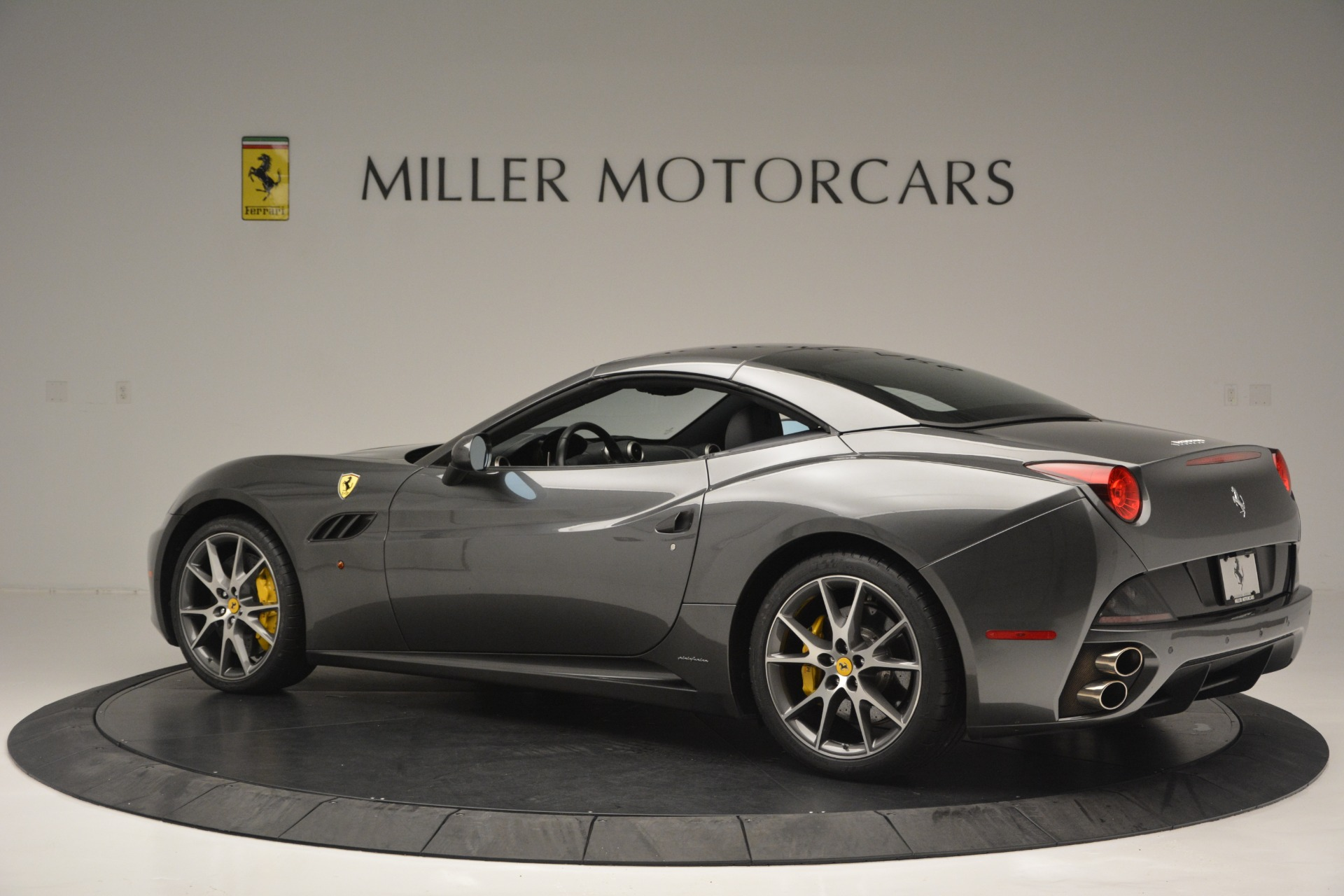 Used 2013 Ferrari California 30 For Sale In Greenwich, CT 2559_p16