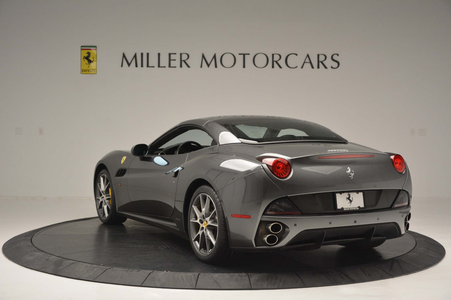Used 2013 Ferrari California 30 For Sale In Greenwich, CT 2559_p17
