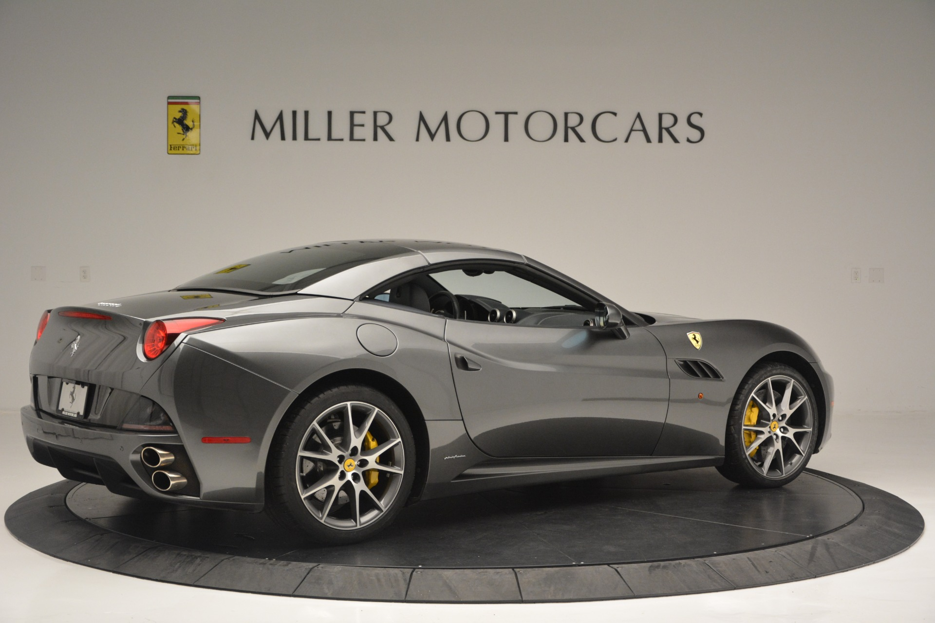 Used 2013 Ferrari California 30 For Sale In Greenwich, CT 2559_p20
