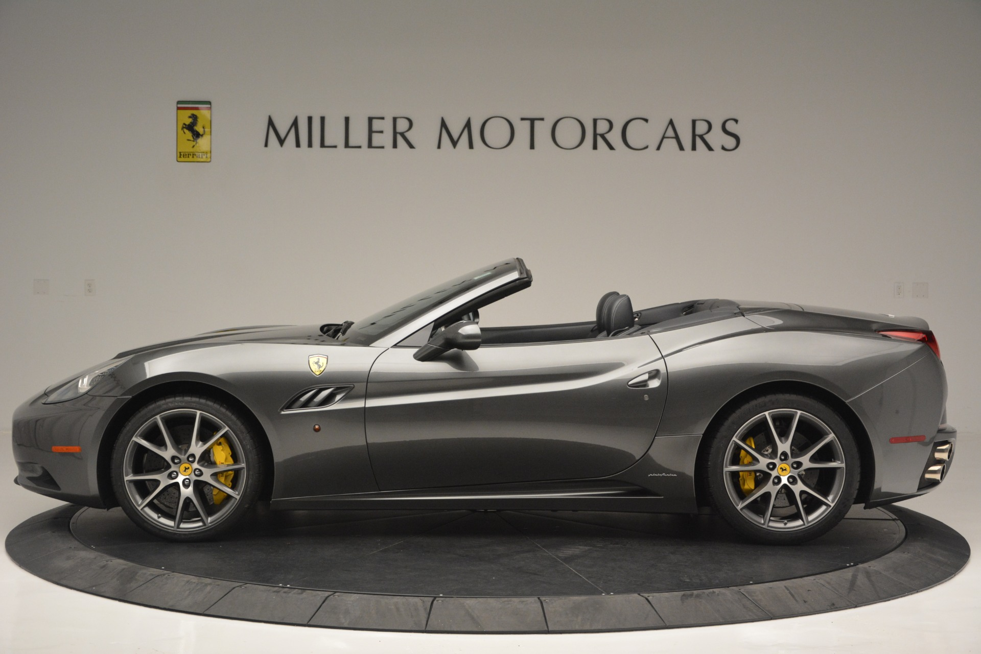Used 2013 Ferrari California 30 For Sale In Greenwich, CT 2559_p3