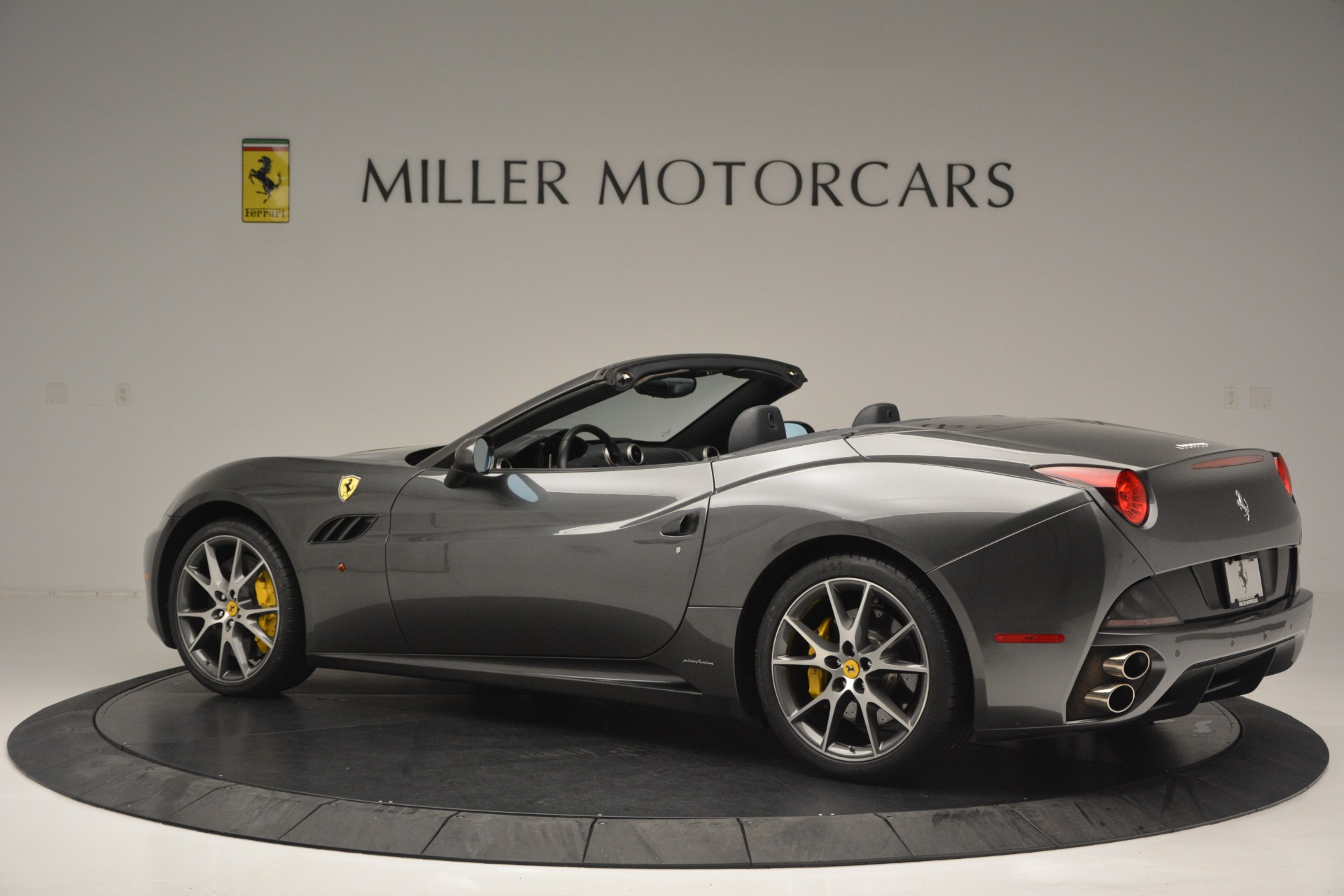 Used 2013 Ferrari California 30 For Sale In Greenwich, CT 2559_p4