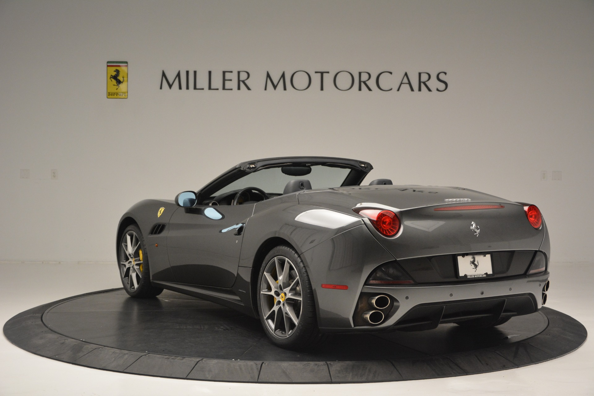 Used 2013 Ferrari California 30 For Sale In Greenwich, CT 2559_p5