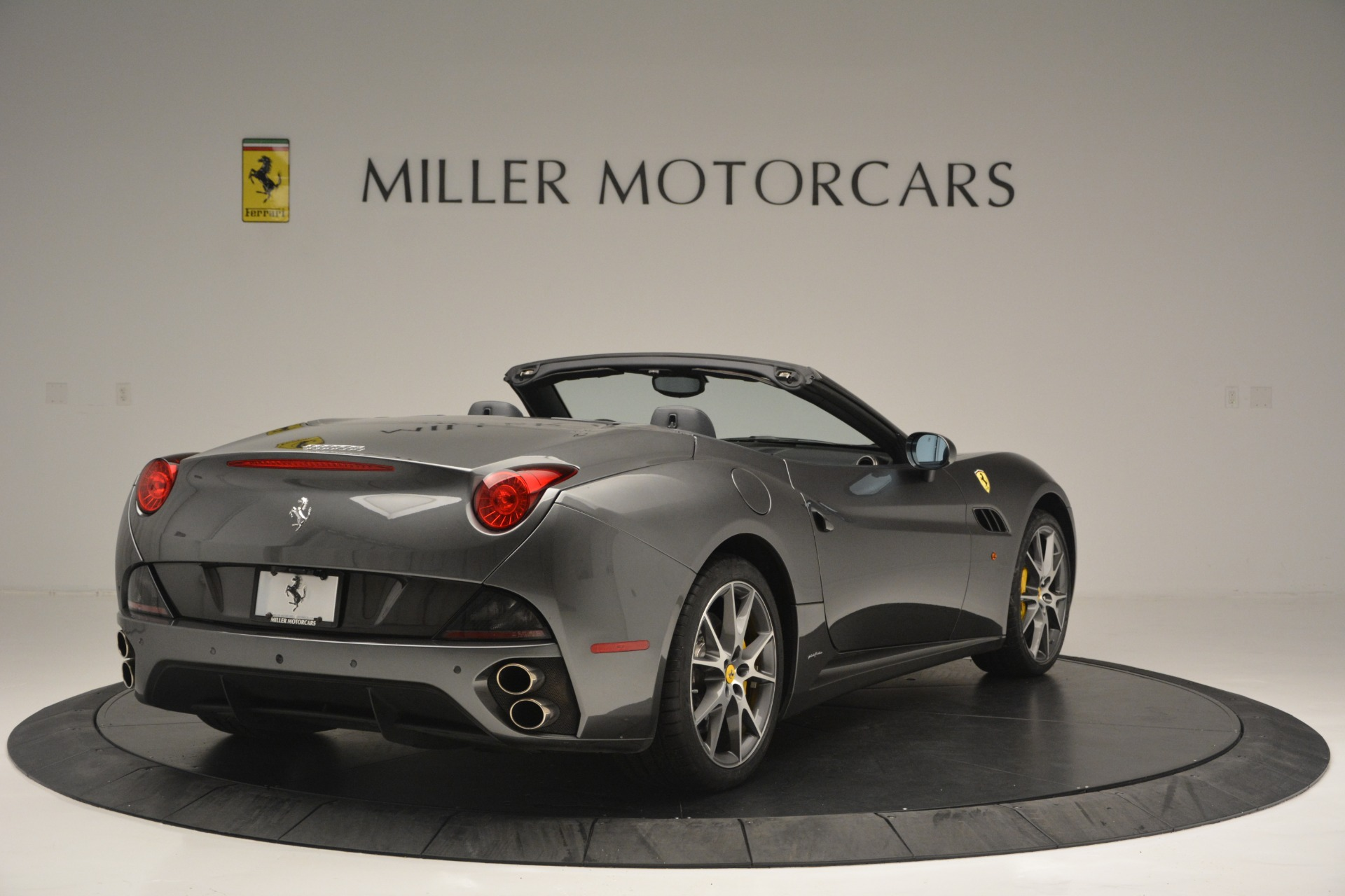 Used 2013 Ferrari California 30 For Sale In Greenwich, CT 2559_p7