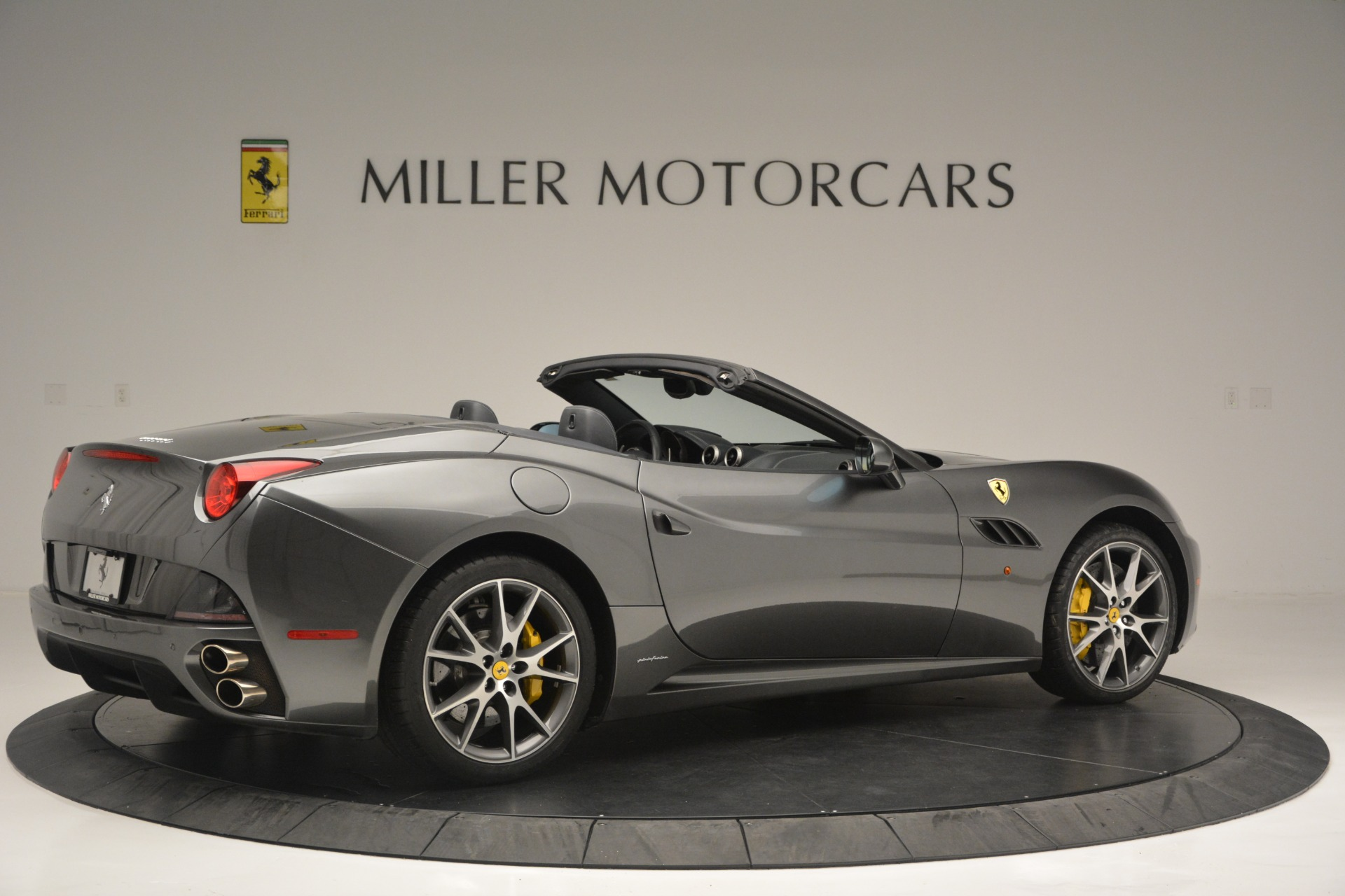Used 2013 Ferrari California 30 For Sale In Greenwich, CT 2559_p8