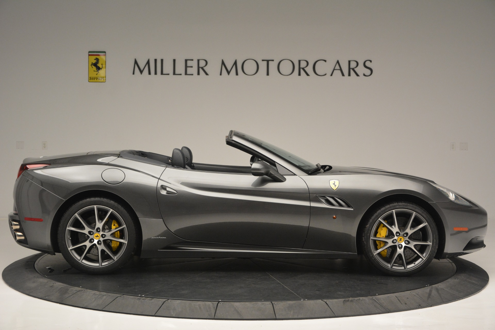 Used 2013 Ferrari California 30 For Sale In Greenwich, CT 2559_p9