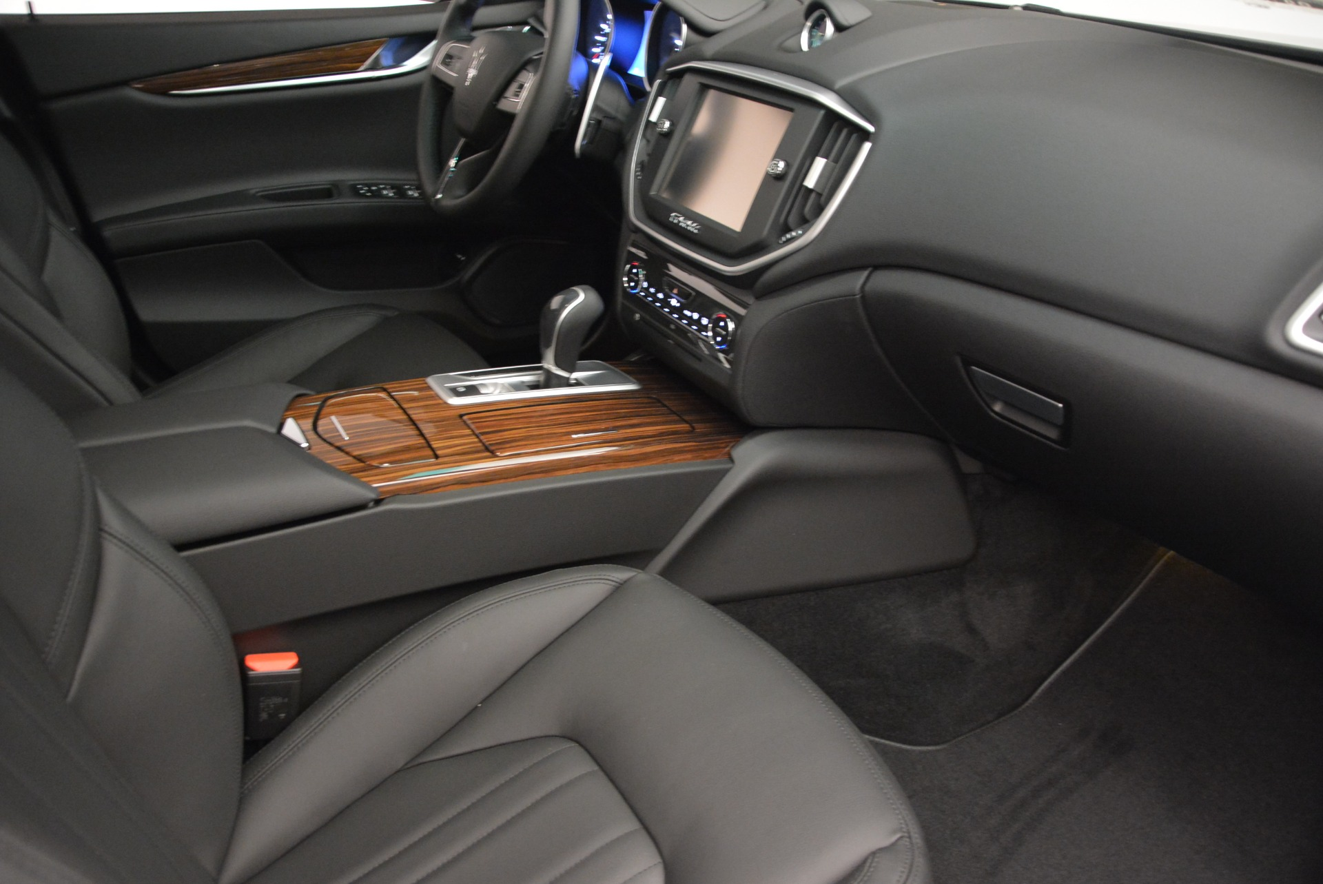 Used 2014 Maserati Ghibli S Q4 For Sale In Greenwich, CT 2562_p20