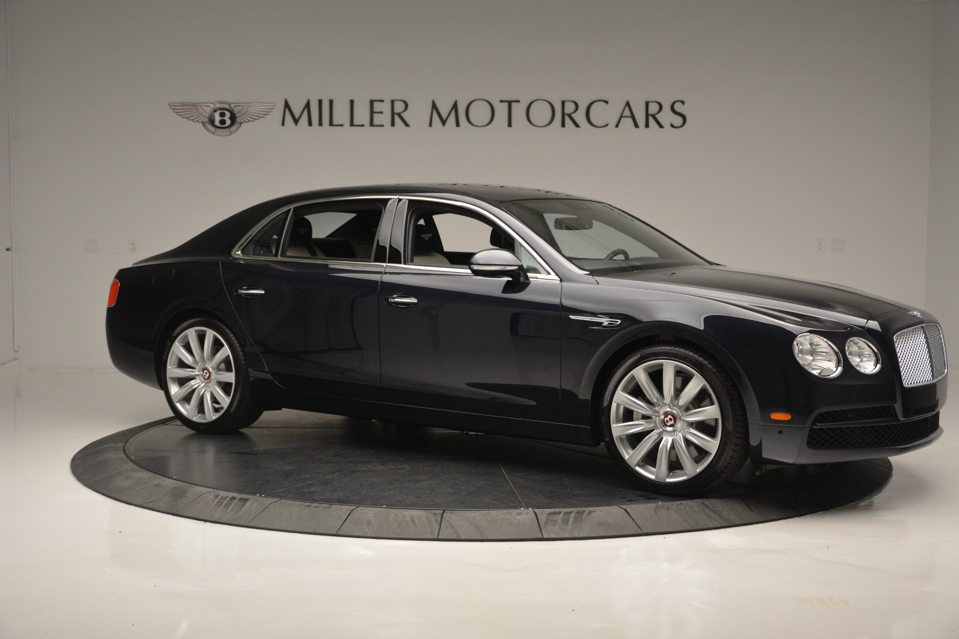 New 2018 Bentley Flying Spur V8 For Sale In Greenwich, CT 2572_p10