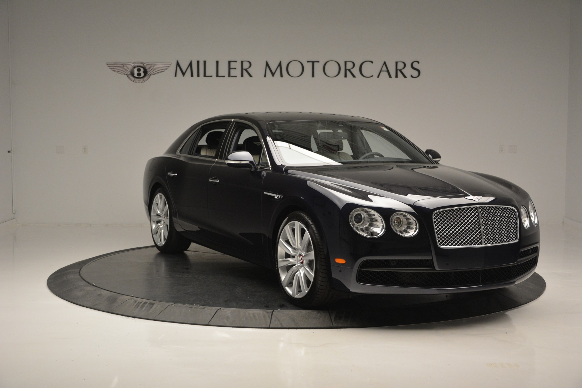 New 2018 Bentley Flying Spur V8 For Sale In Greenwich, CT 2572_p11