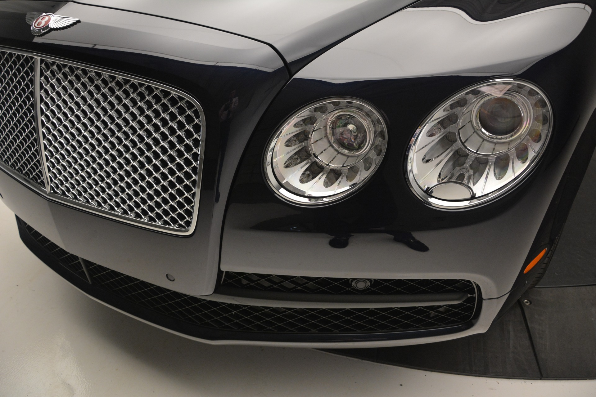 New 2018 Bentley Flying Spur V8 For Sale In Greenwich, CT 2572_p13