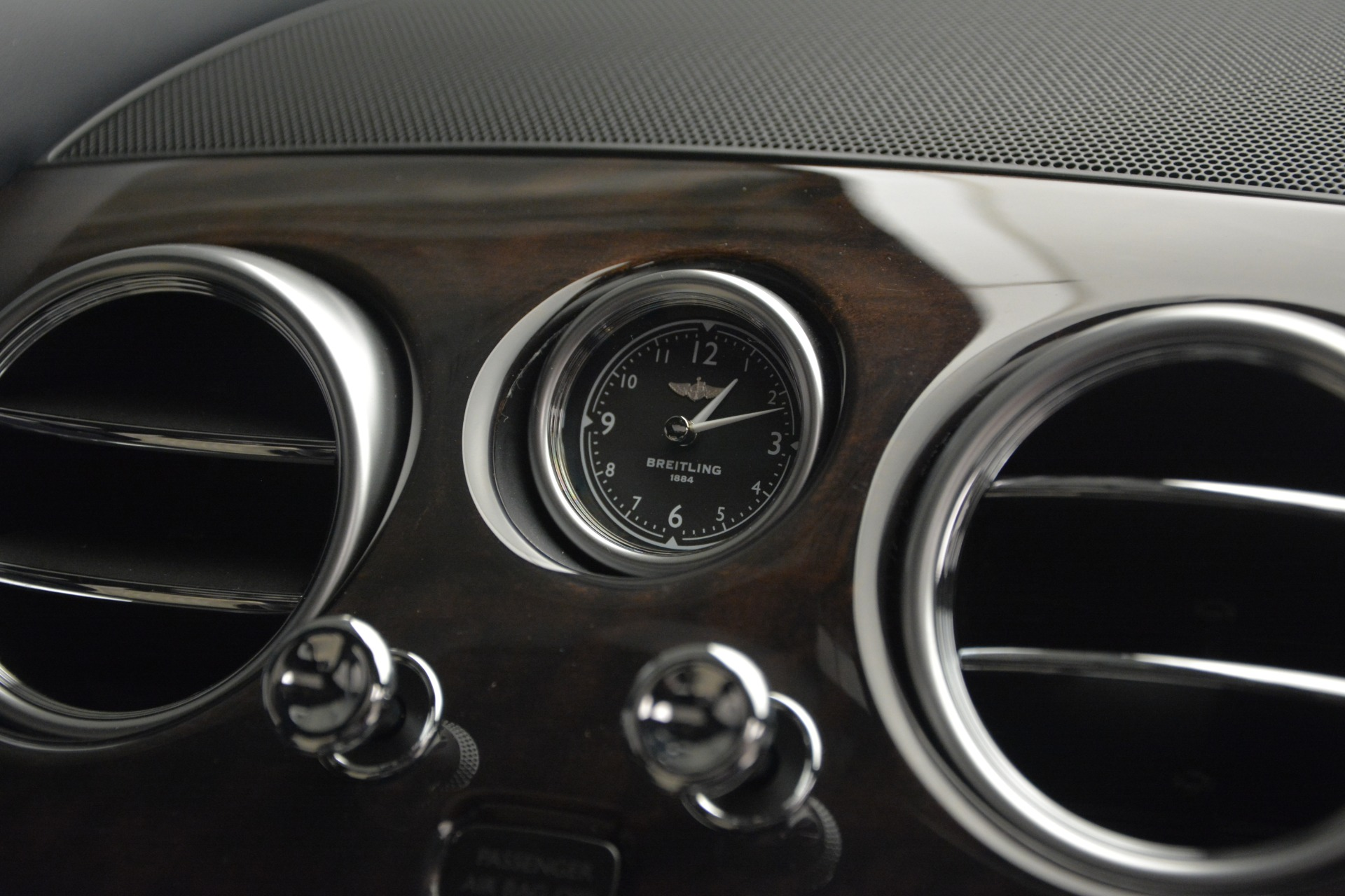 New 2018 Bentley Flying Spur V8 For Sale In Greenwich, CT 2572_p22