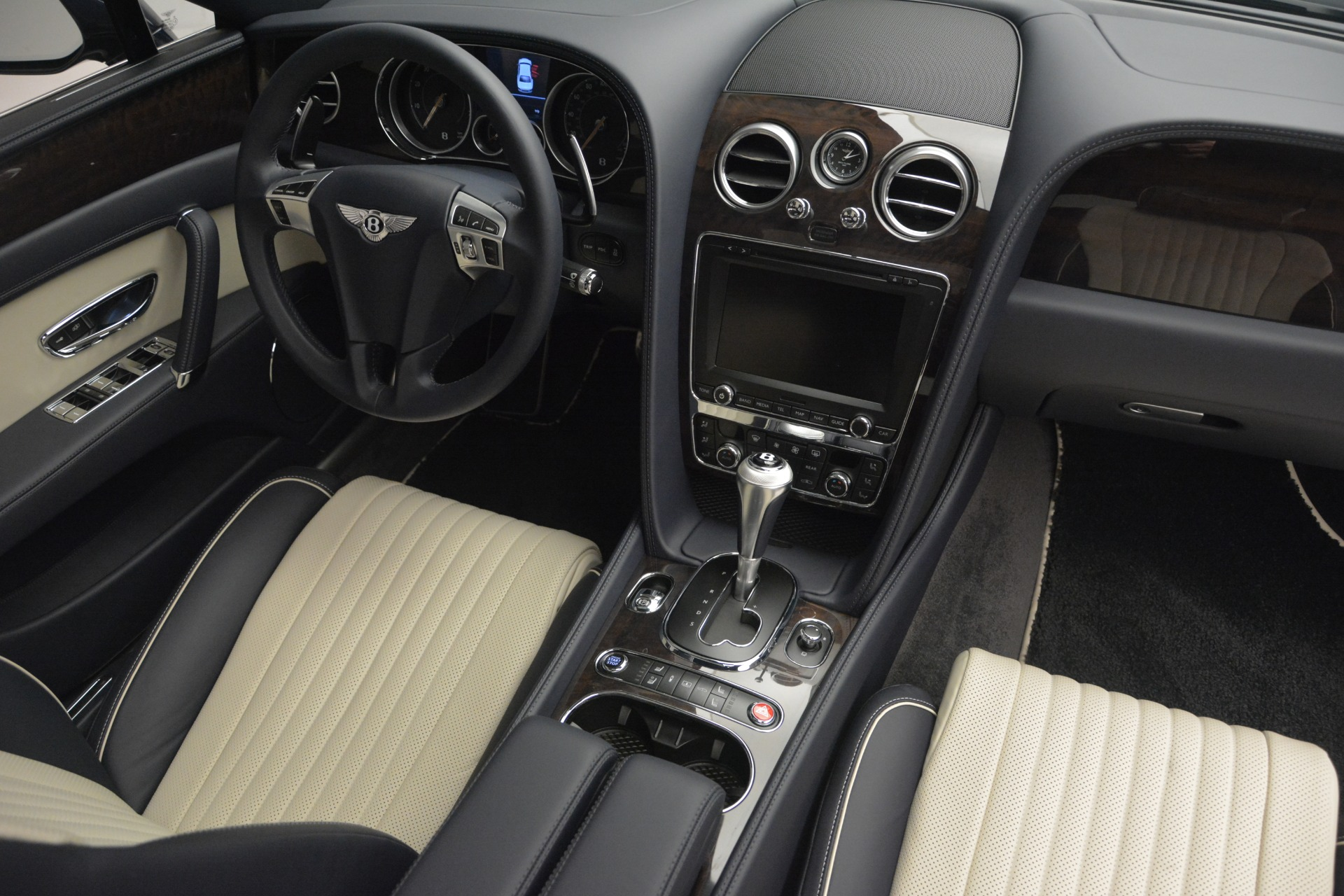 New 2018 Bentley Flying Spur V8 For Sale In Greenwich, CT 2572_p30
