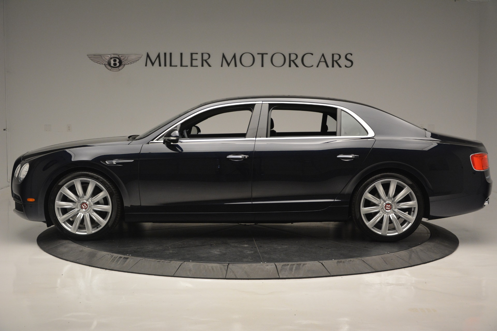 New 2018 Bentley Flying Spur V8 For Sale In Greenwich, CT 2572_p3