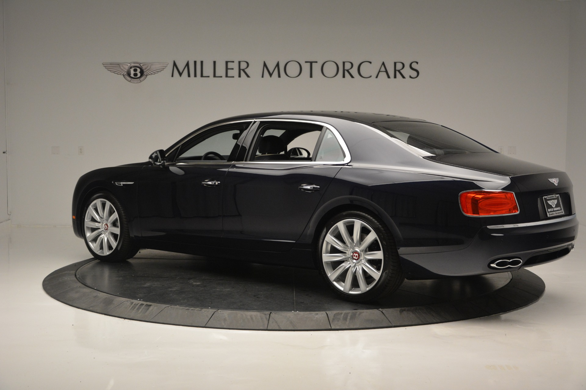 New 2018 Bentley Flying Spur V8 For Sale In Greenwich, CT 2572_p5