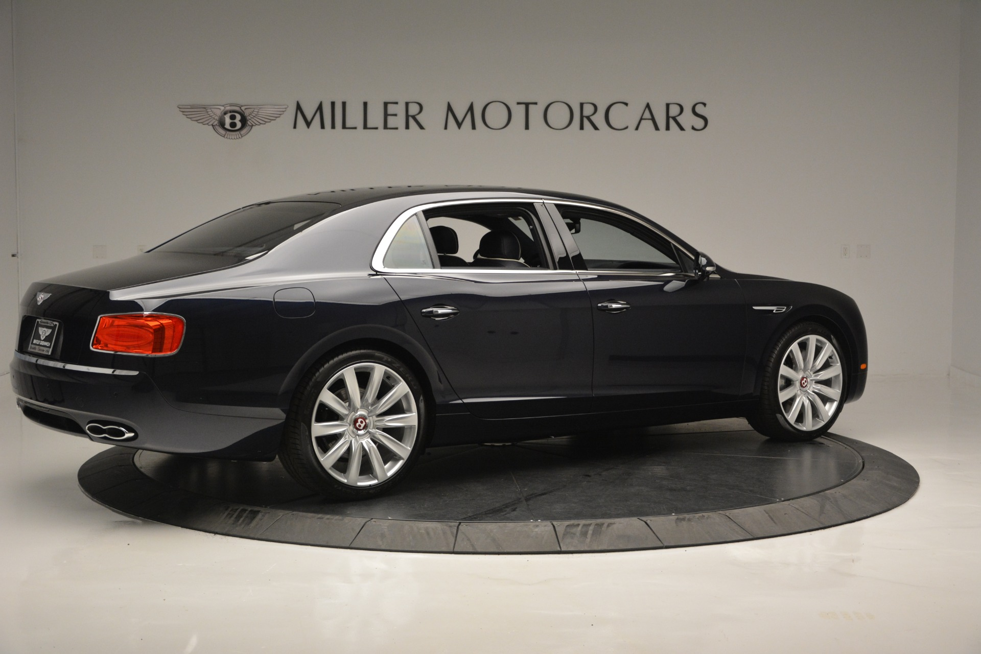 New 2018 Bentley Flying Spur V8 For Sale In Greenwich, CT 2572_p8