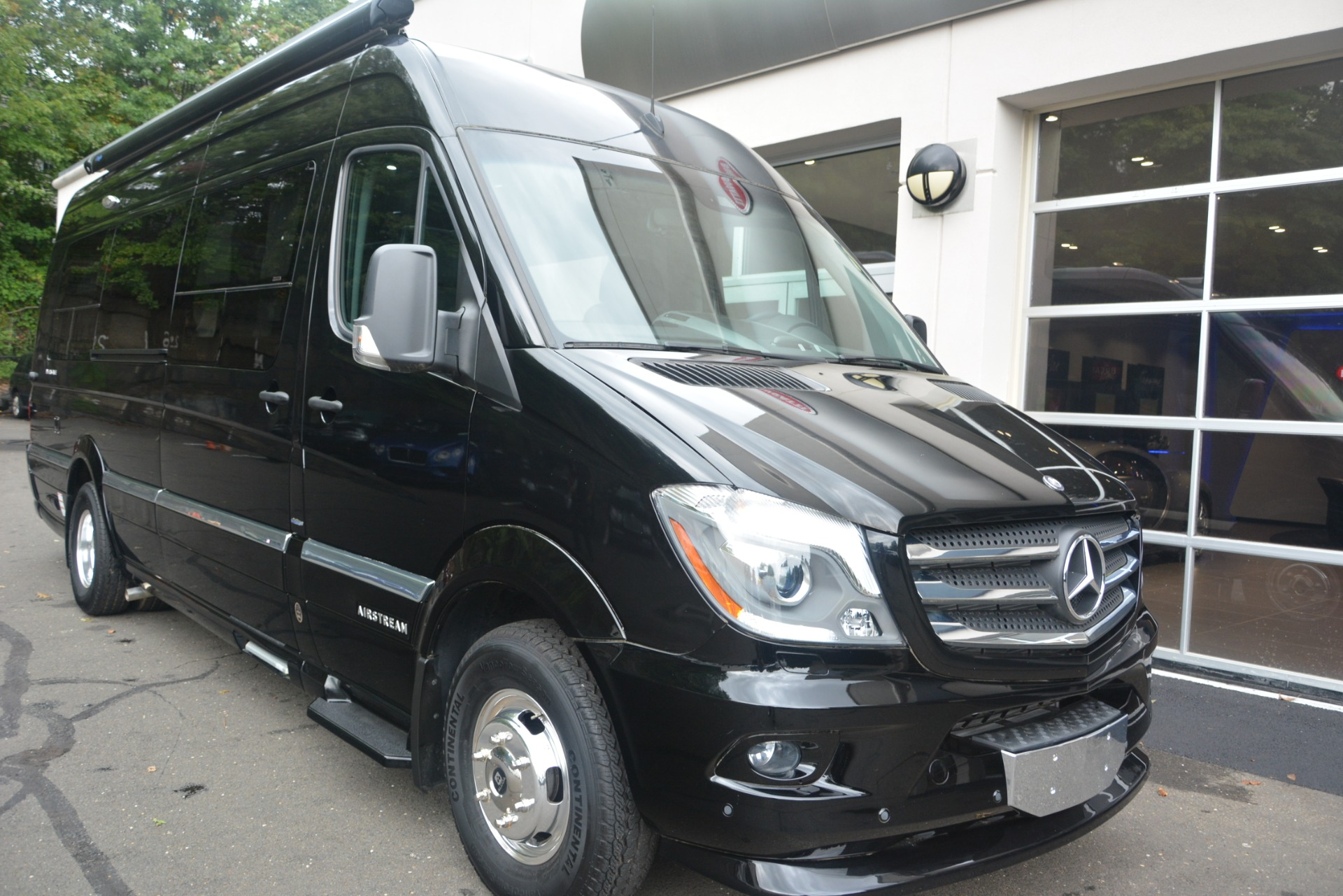 Used 2014 Mercedes-Benz Sprinter 3500 Airstream Lounge Extended For Sale In Greenwich, CT 2595_p7