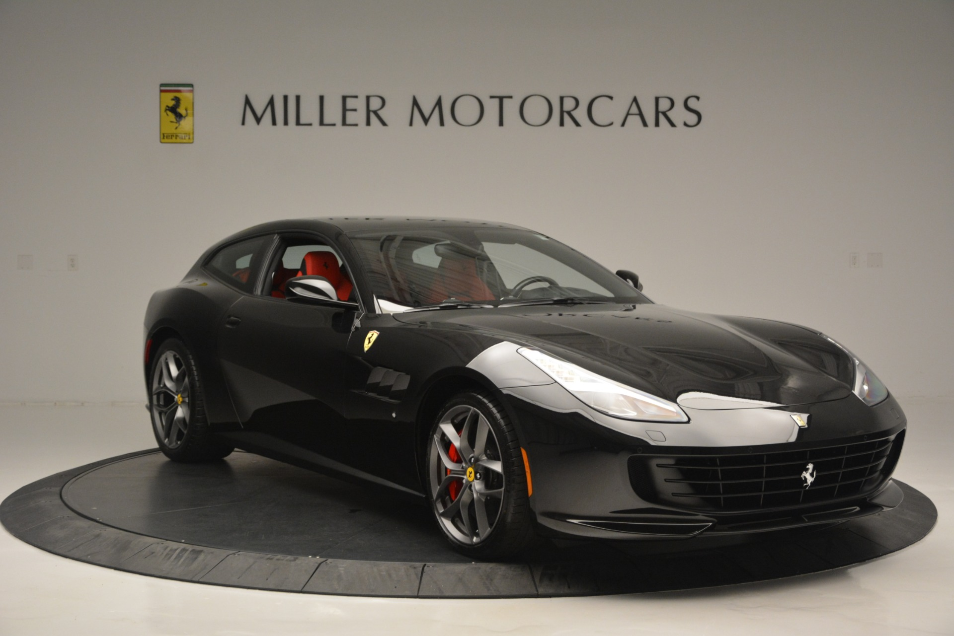 Used 2018 Ferrari GTC4LussoT V8 For Sale In Greenwich, CT 2598_p11
