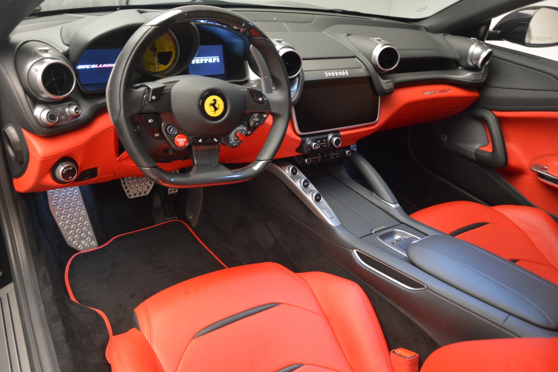 Used 2018 Ferrari GTC4LussoT V8 For Sale In Greenwich, CT 2598_p14