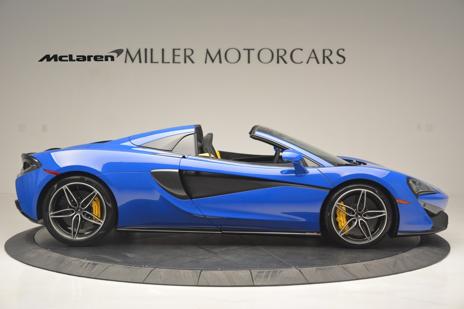 New 2019 McLaren 570S Spider Convertible For Sale In Greenwich, CT 2599_p9