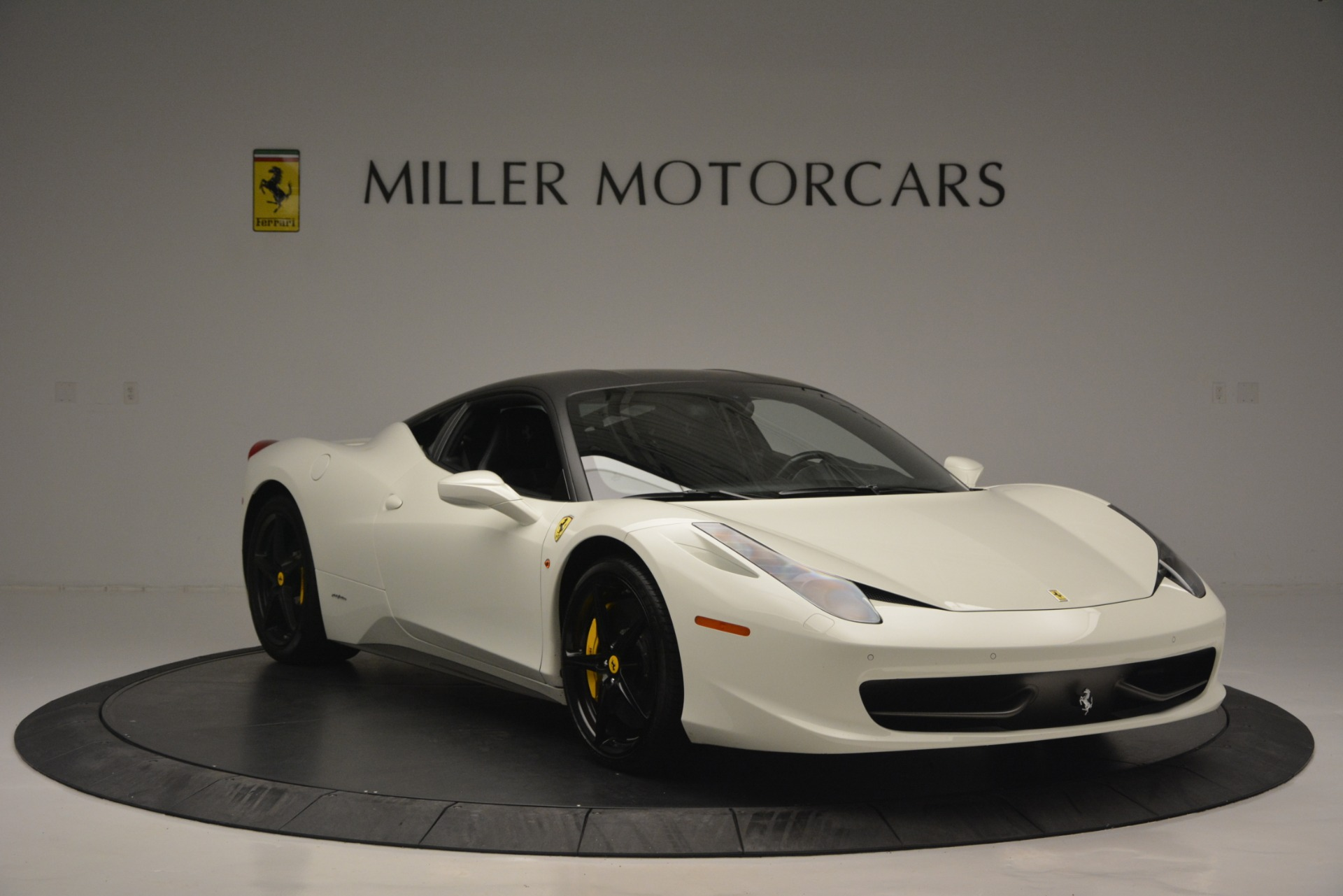 Used 2010 Ferrari 458 Italia  For Sale In Greenwich, CT 2602_p11