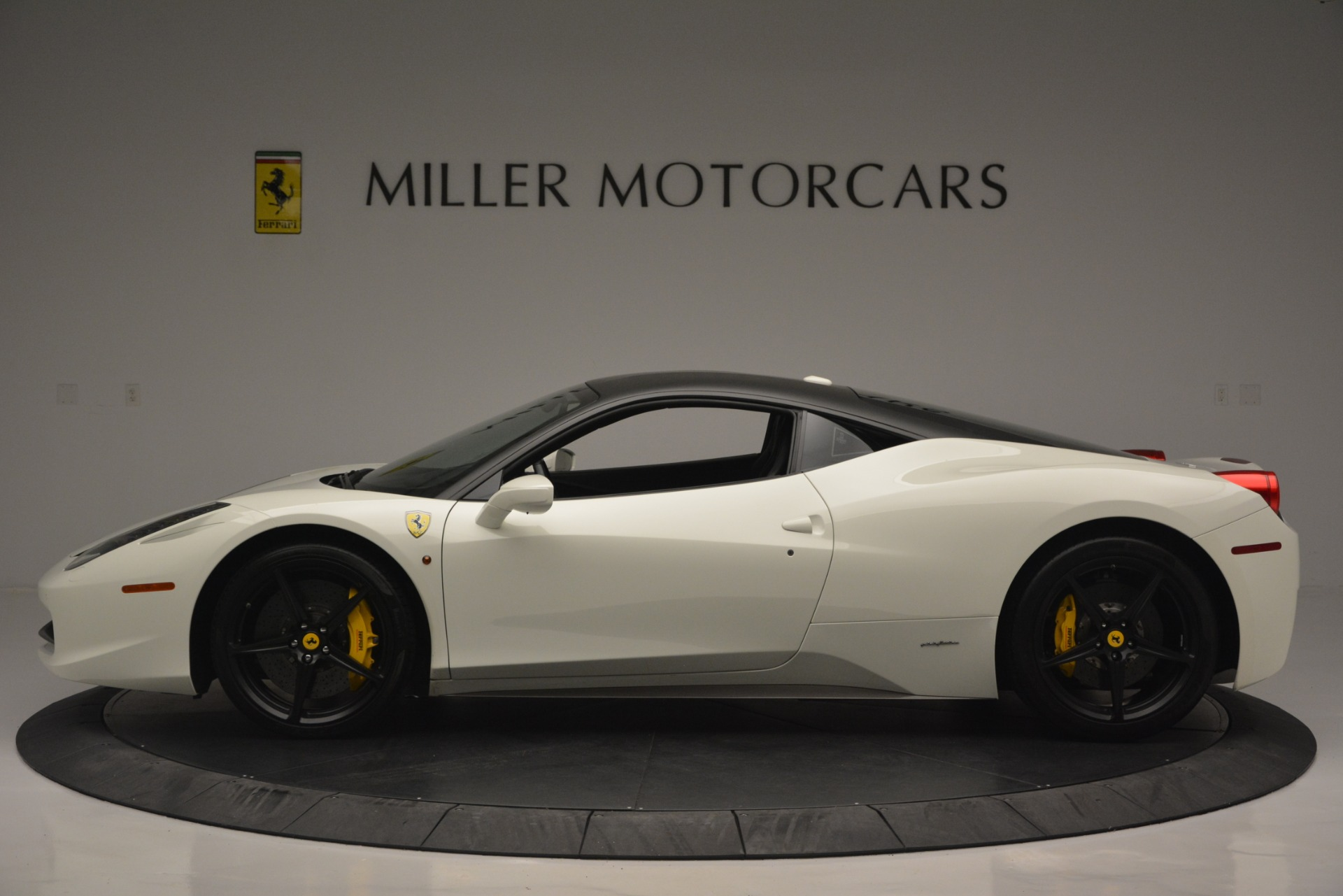 Used 2010 Ferrari 458 Italia  For Sale In Greenwich, CT 2602_p3