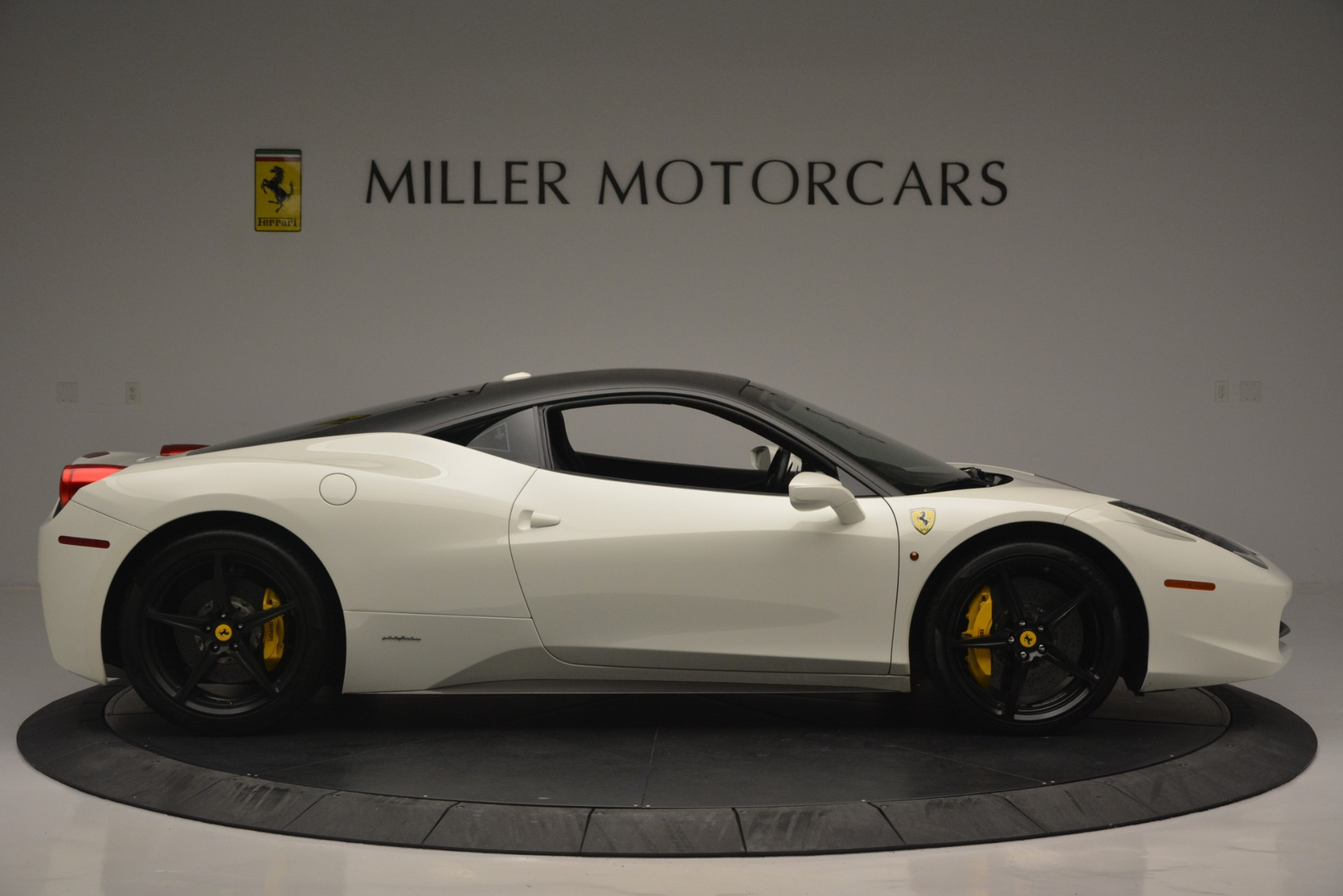 Used 2010 Ferrari 458 Italia  For Sale In Greenwich, CT 2602_p9