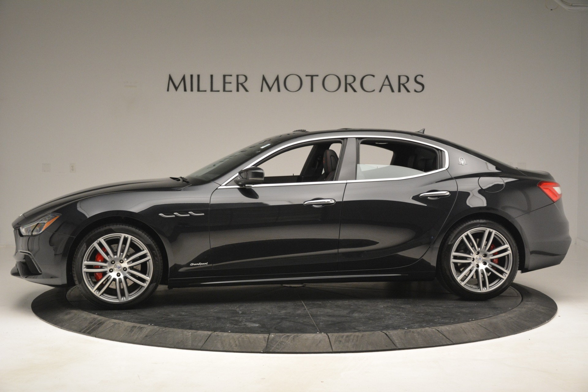 New 2019 Maserati Ghibli S Q4 GranSport For Sale In Greenwich, CT 2614_p3