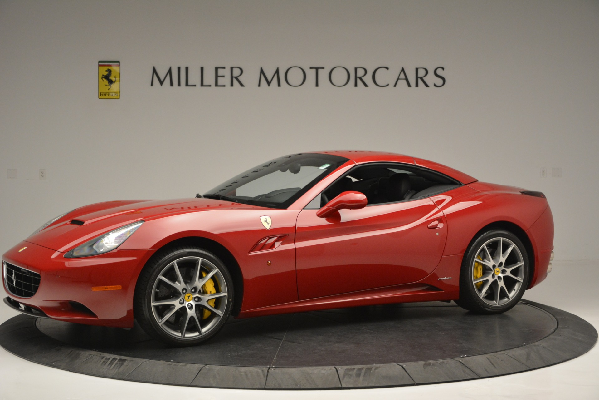 Used 2011 Ferrari California  For Sale In Greenwich, CT 2618_p14