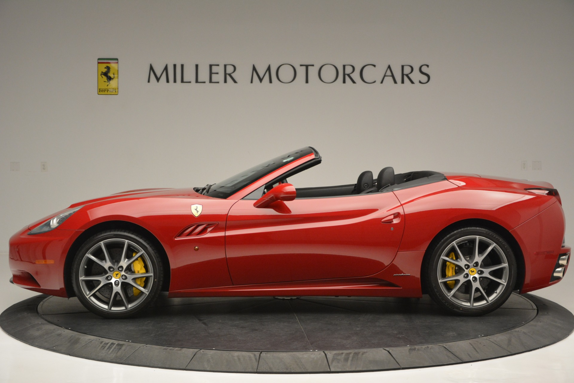 Used 2011 Ferrari California  For Sale In Greenwich, CT 2618_p3