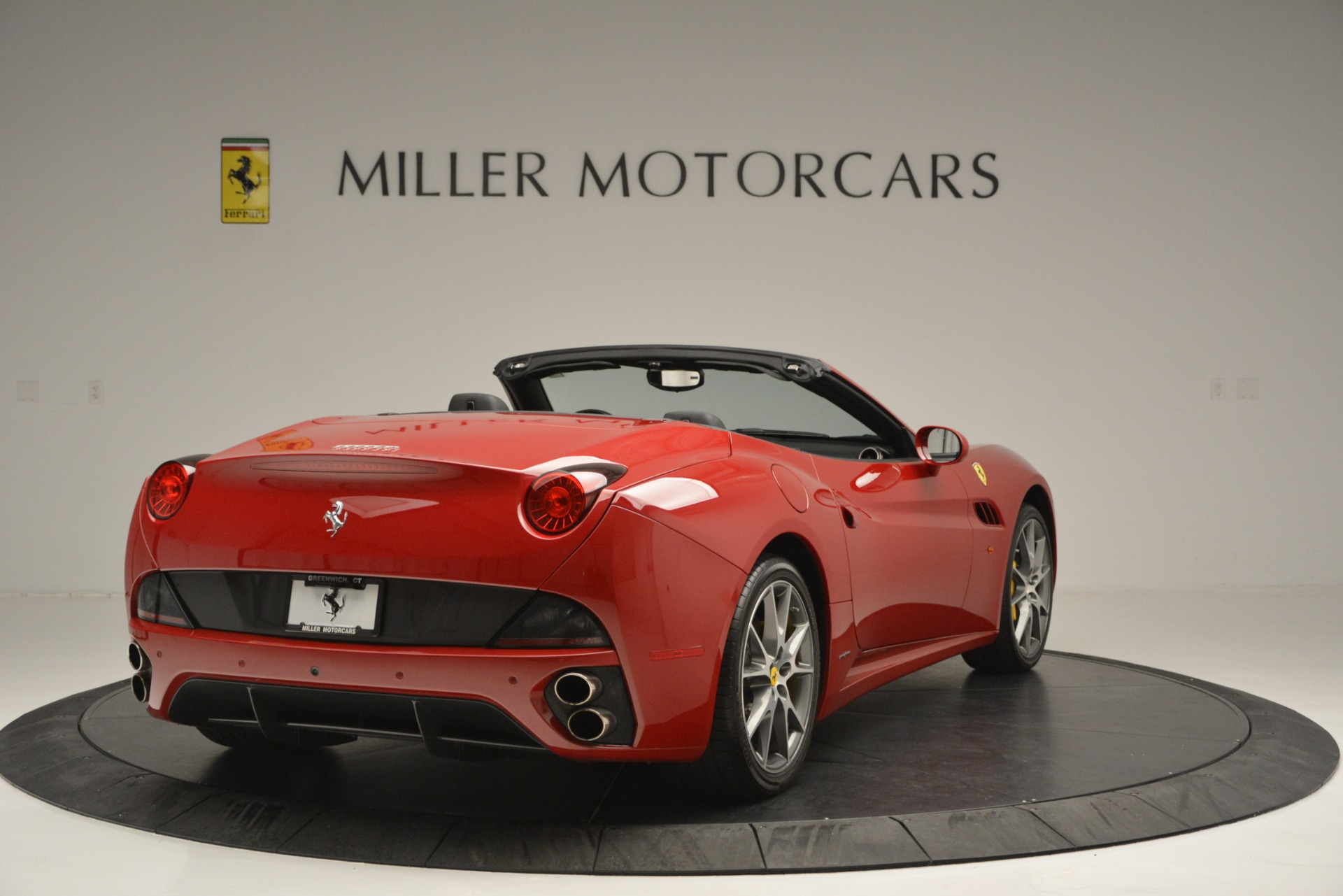 Used 2011 Ferrari California  For Sale In Greenwich, CT 2618_p8