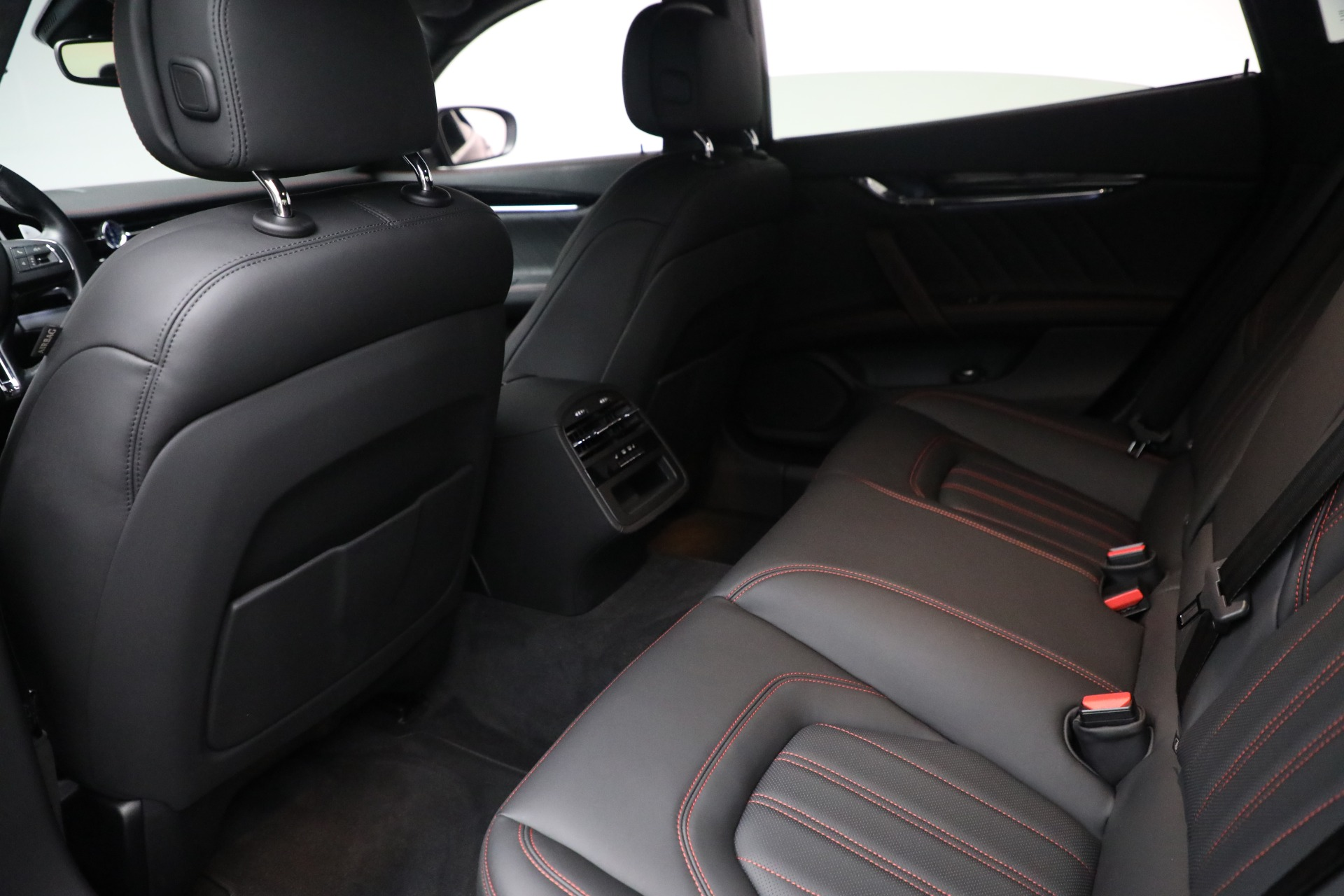 New 2019 Maserati Quattroporte S Q4 GranLusso For Sale In Greenwich, CT 2619_p22