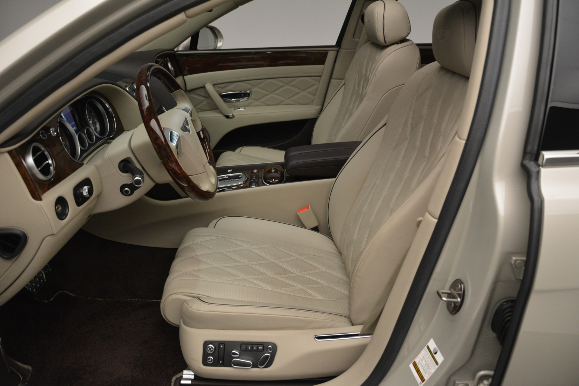 Used 2014 Bentley Flying Spur W12 For Sale In Greenwich, CT 2624_p18