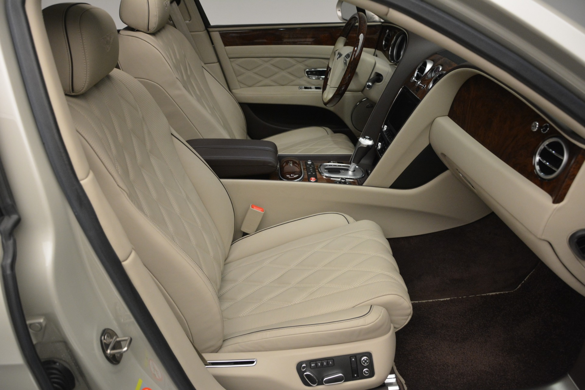 Used 2014 Bentley Flying Spur W12 For Sale In Greenwich, CT 2624_p27