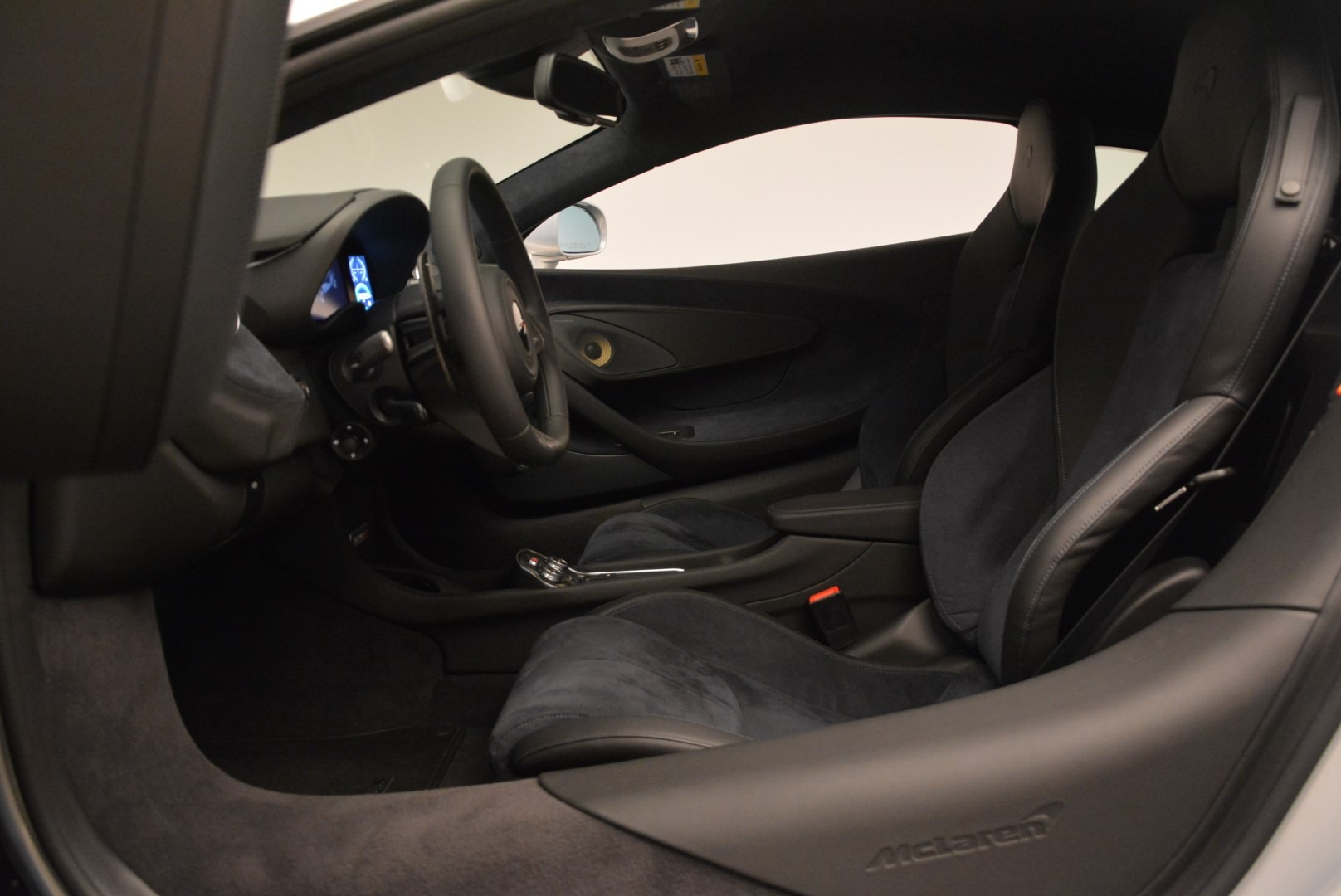 Used 2017 McLaren 570S Coupe For Sale In Greenwich, CT 2642_p16