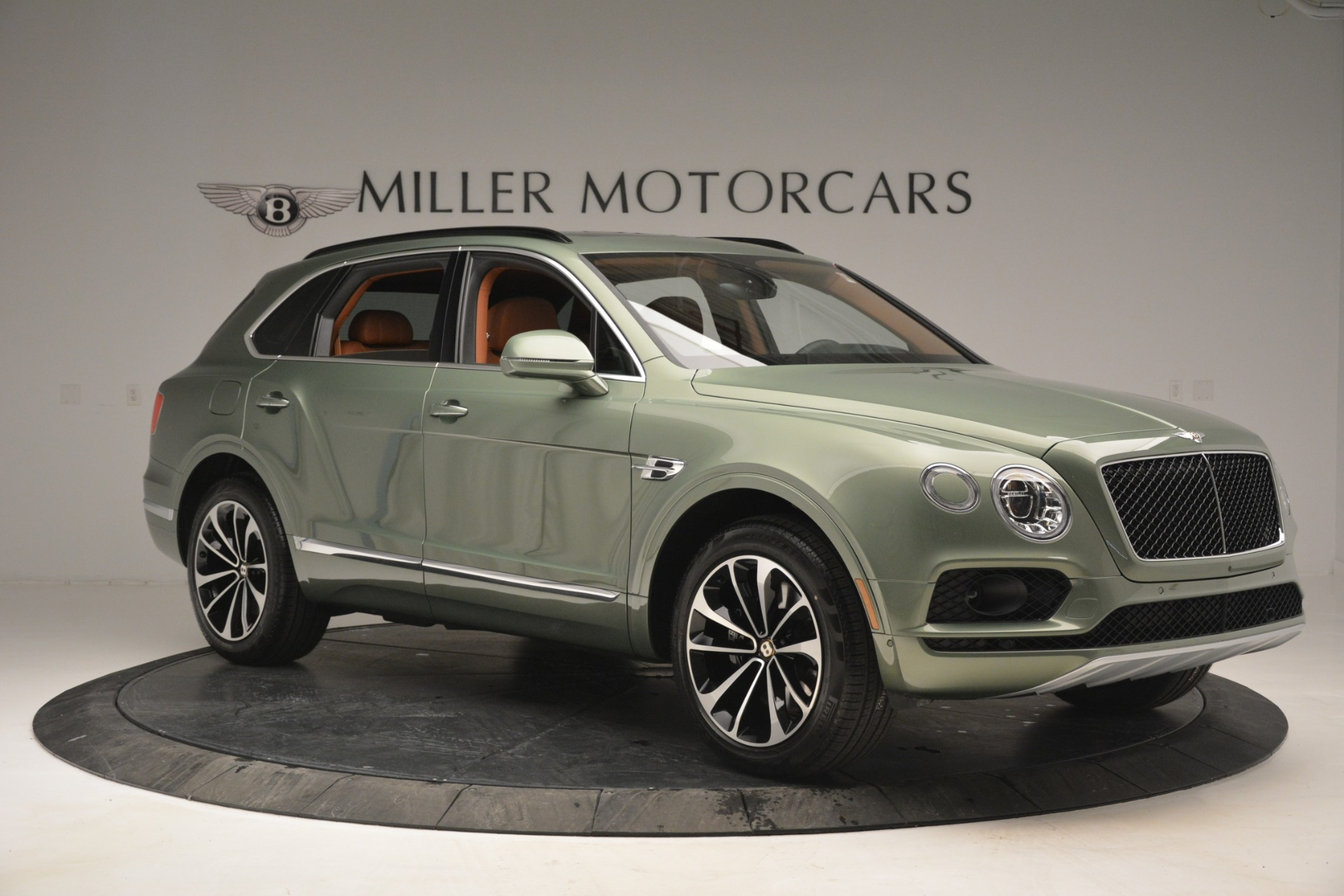 New 2019 Bentley Bentayga V8 For Sale In Greenwich, CT 2644_p10