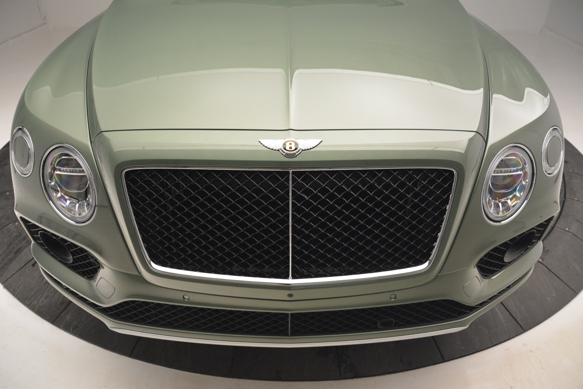 New 2019 Bentley Bentayga V8 For Sale In Greenwich, CT 2644_p13