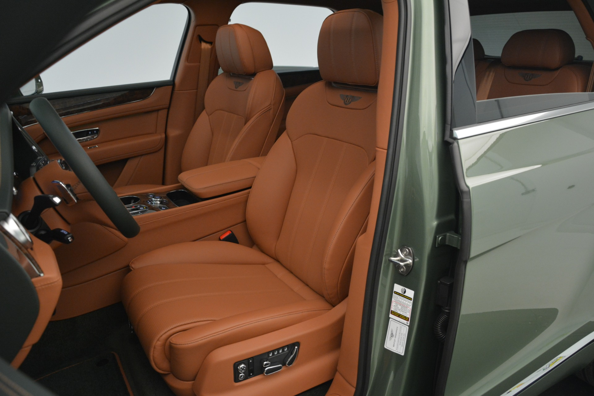 New 2019 Bentley Bentayga V8 For Sale In Greenwich, CT 2644_p22