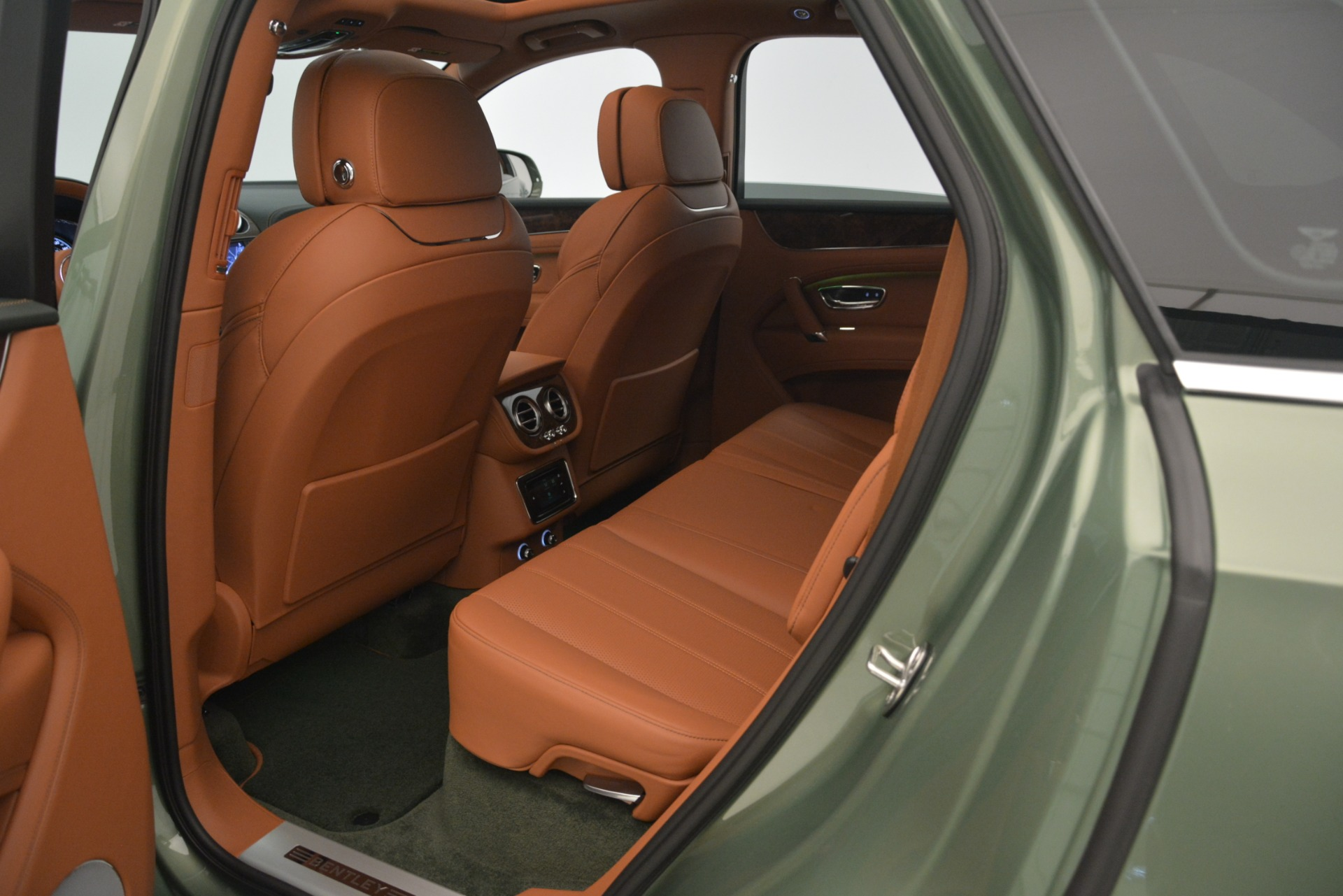 New 2019 Bentley Bentayga V8 For Sale In Greenwich, CT 2644_p26