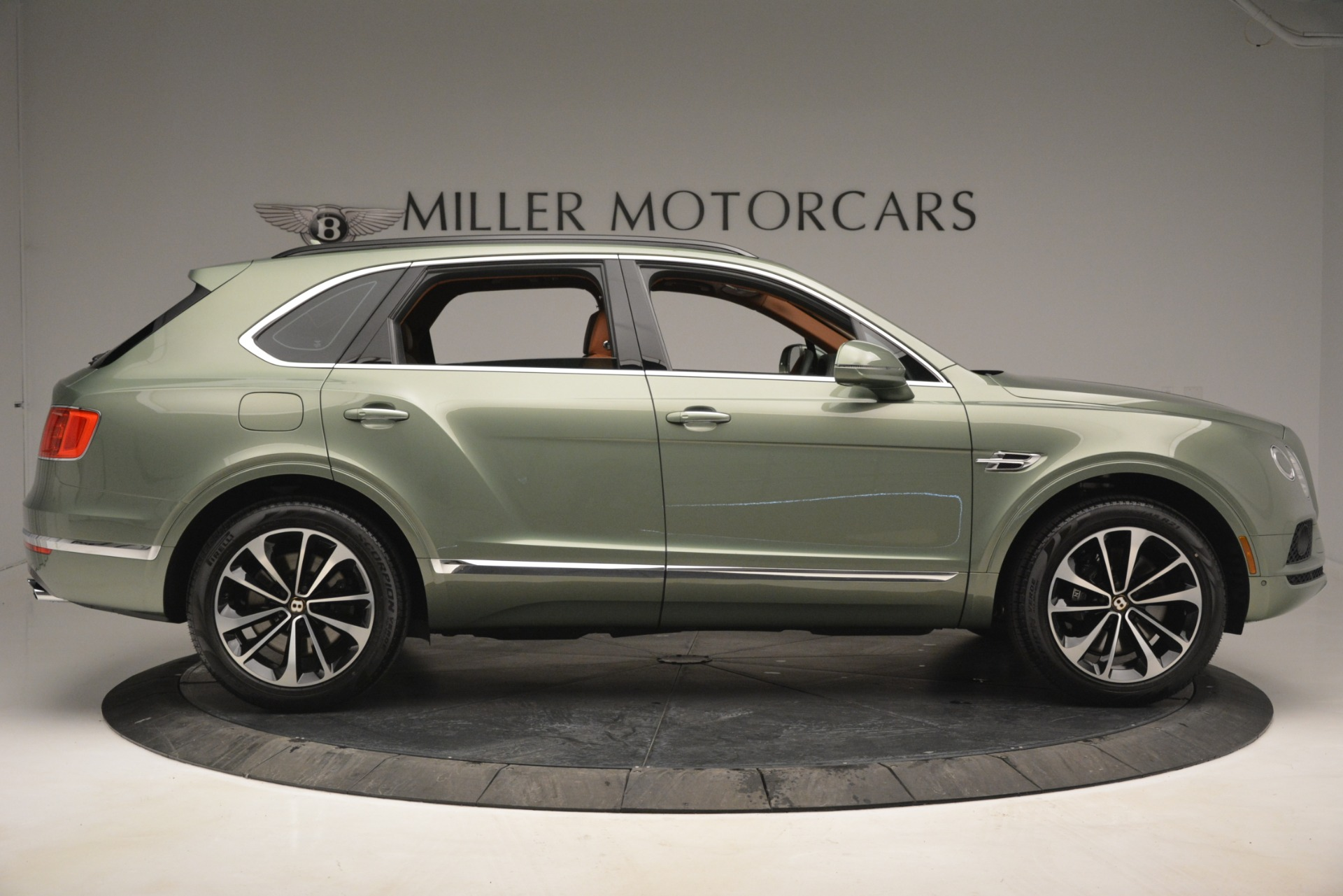 New 2019 Bentley Bentayga V8 For Sale In Greenwich, CT 2644_p9