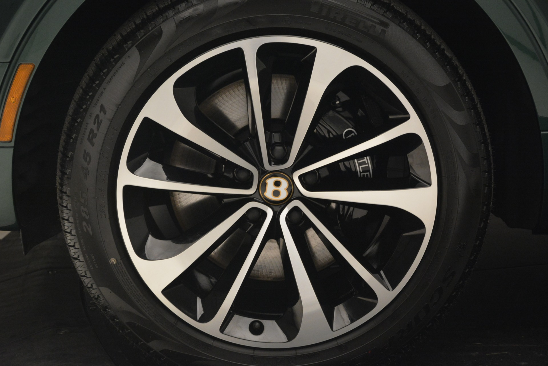 New 2019 Bentley Bentayga V8 For Sale In Greenwich, CT 2645_p16