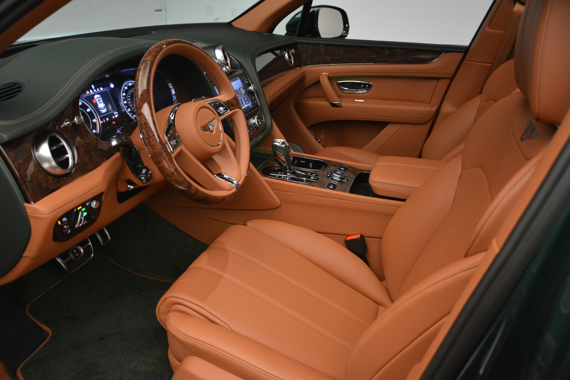 New 2019 Bentley Bentayga V8 For Sale In Greenwich, CT 2645_p18