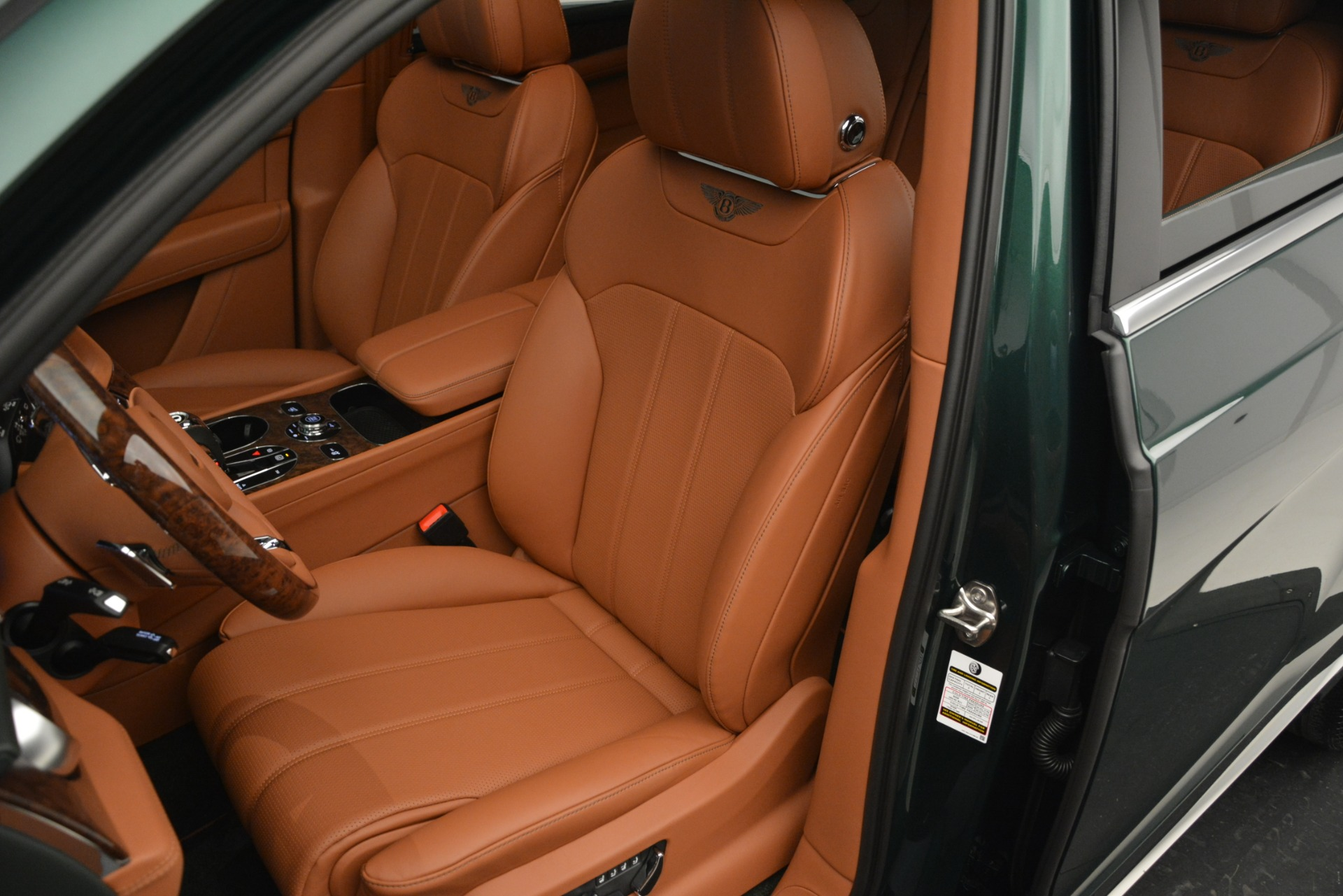 New 2019 Bentley Bentayga V8 For Sale In Greenwich, CT 2645_p19