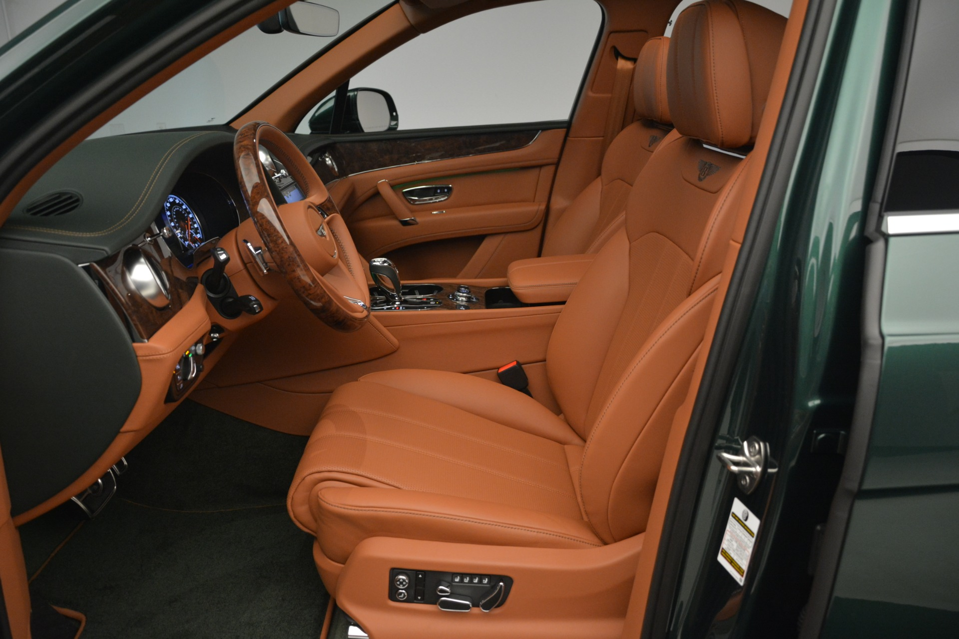 New 2019 Bentley Bentayga V8 For Sale In Greenwich, CT 2645_p20