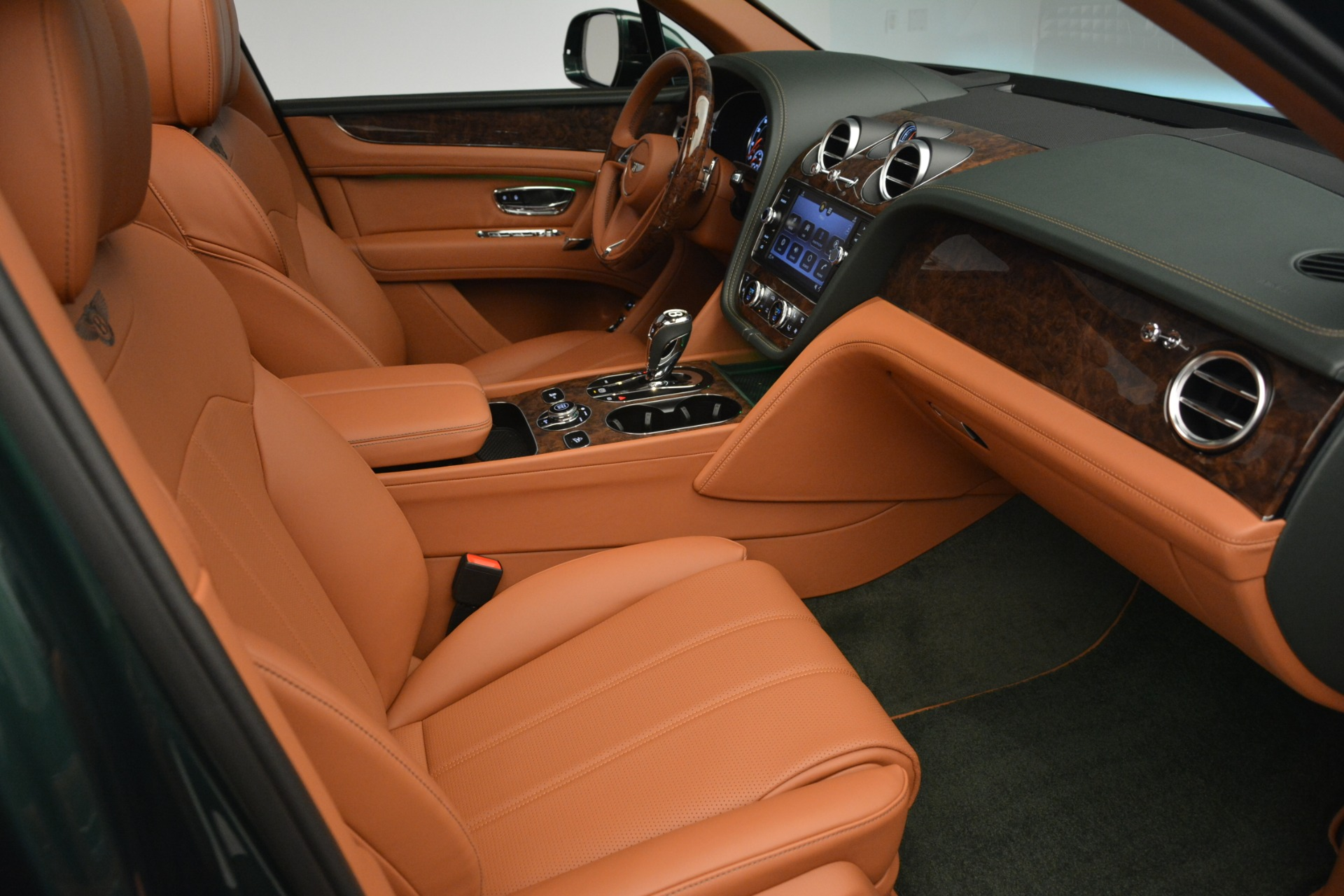 New 2019 Bentley Bentayga V8 For Sale In Greenwich, CT 2645_p27